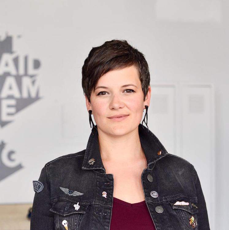 Jennifer Rae - DesignerMentor& Artist