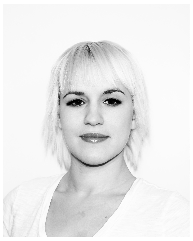 Sierra-headshot-blonde-2_2400.jpg