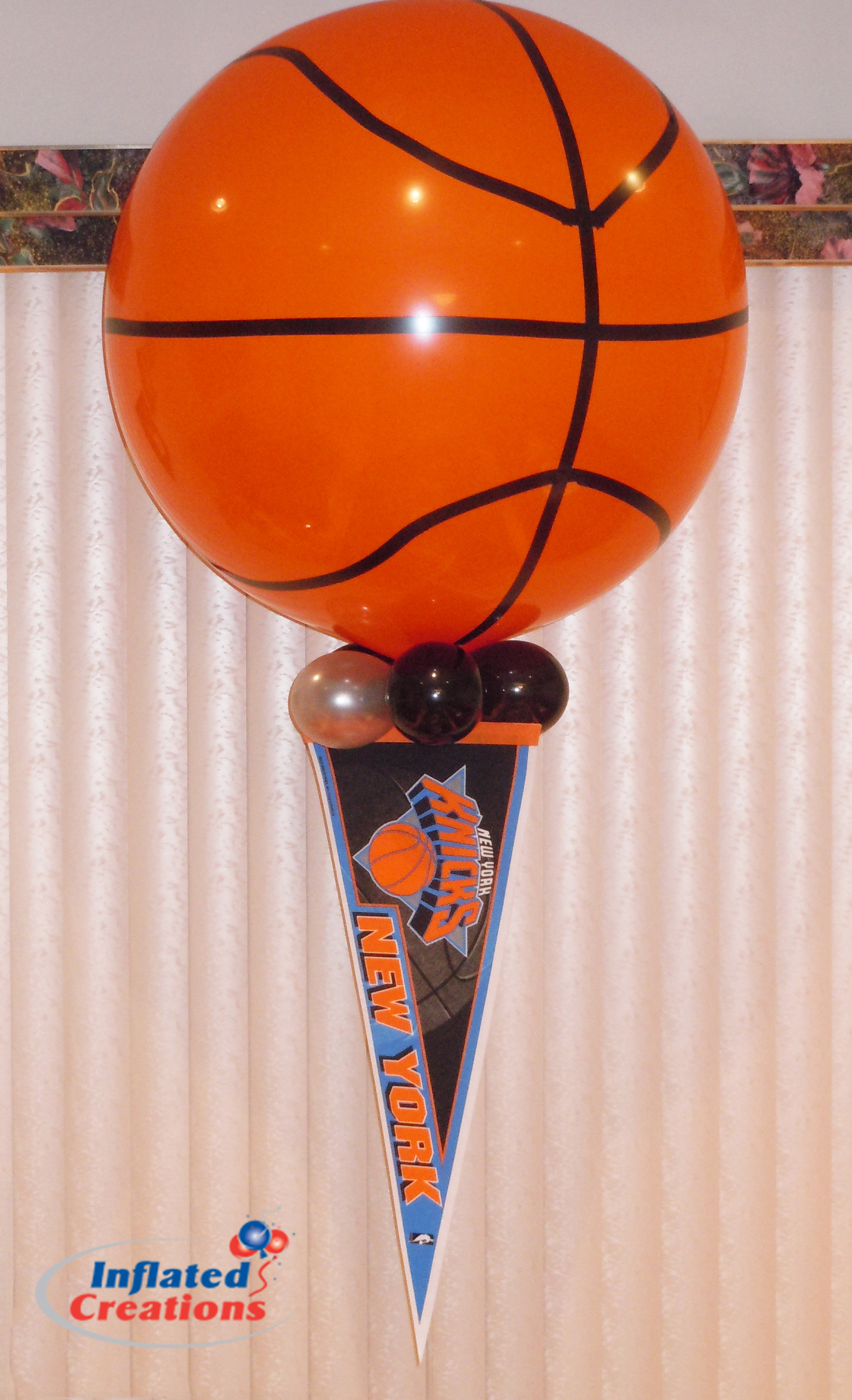 Basketball with Pennant - Latex