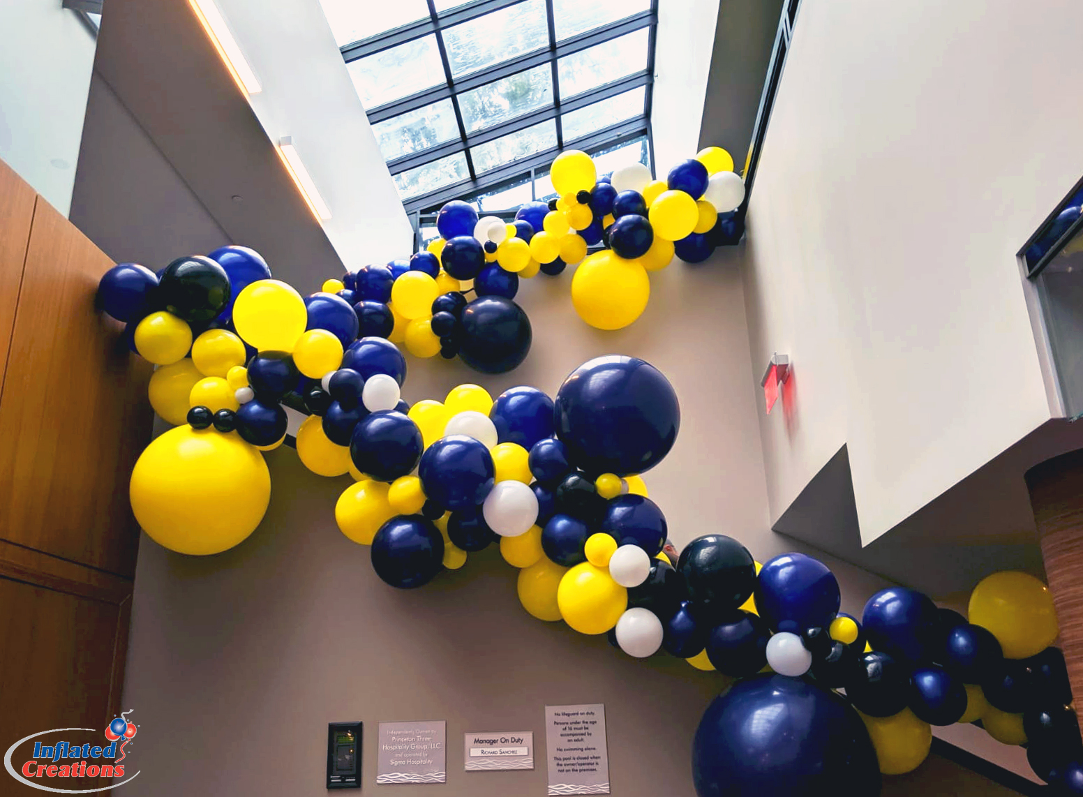 Color Block Organic Staircase Balloons