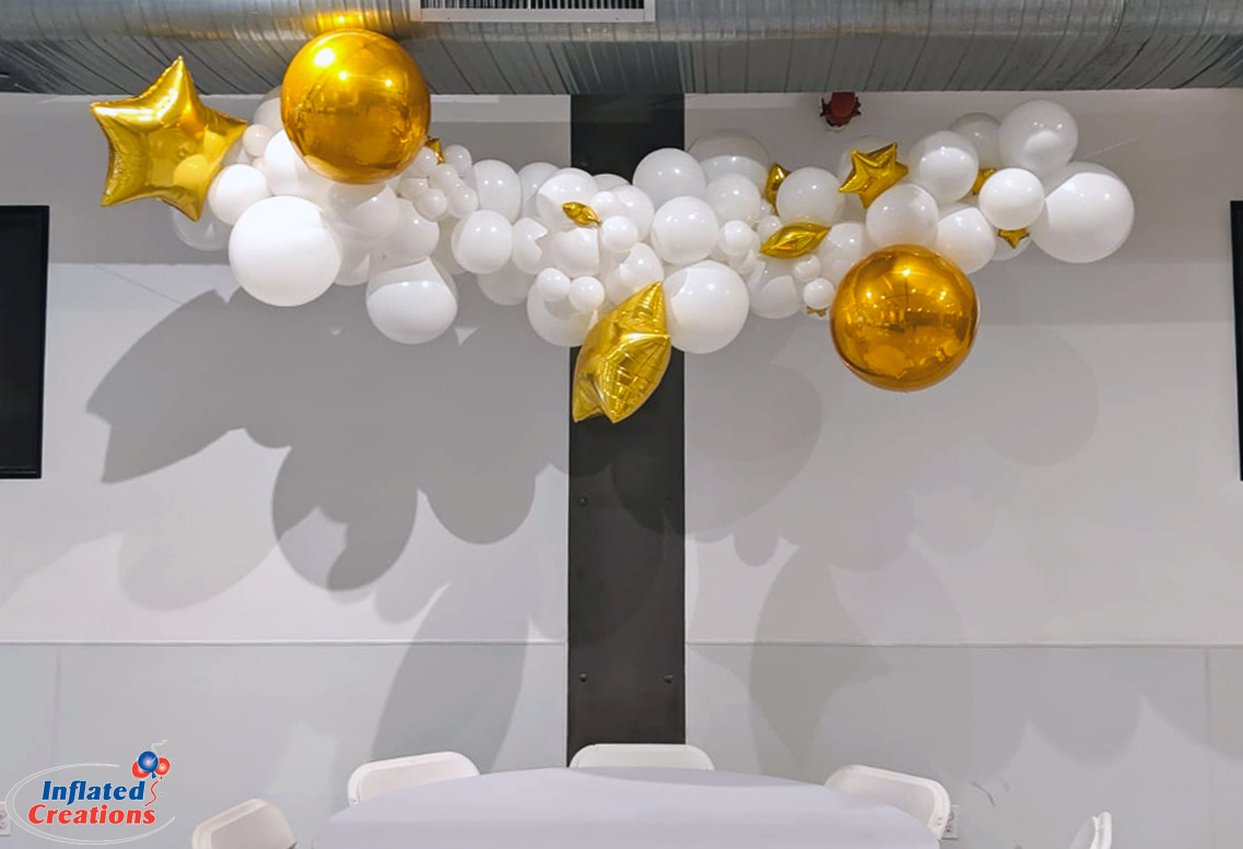 Organic Balloon Arch - Chrome Gold Star