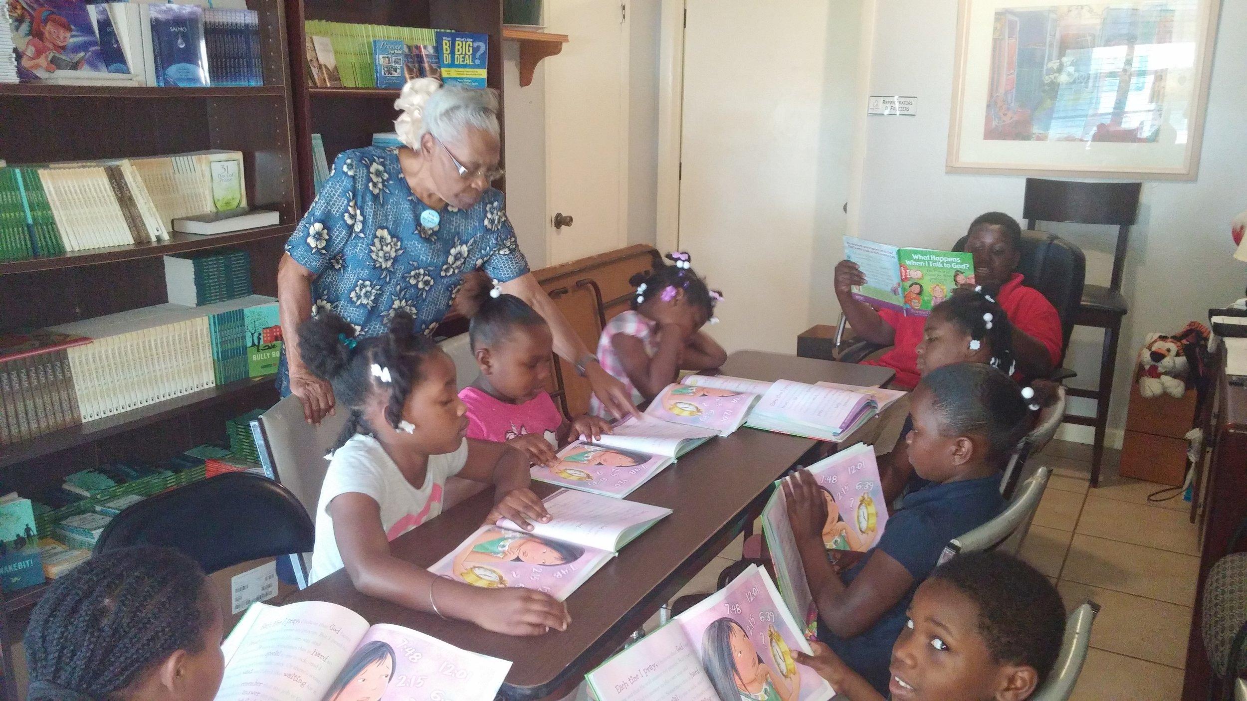 Maxine tutoring community children.jpg