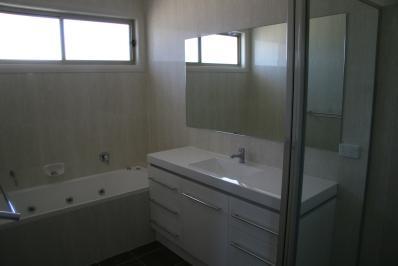 bathroom020.jpg