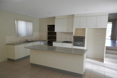 new kitchen 2.jpg