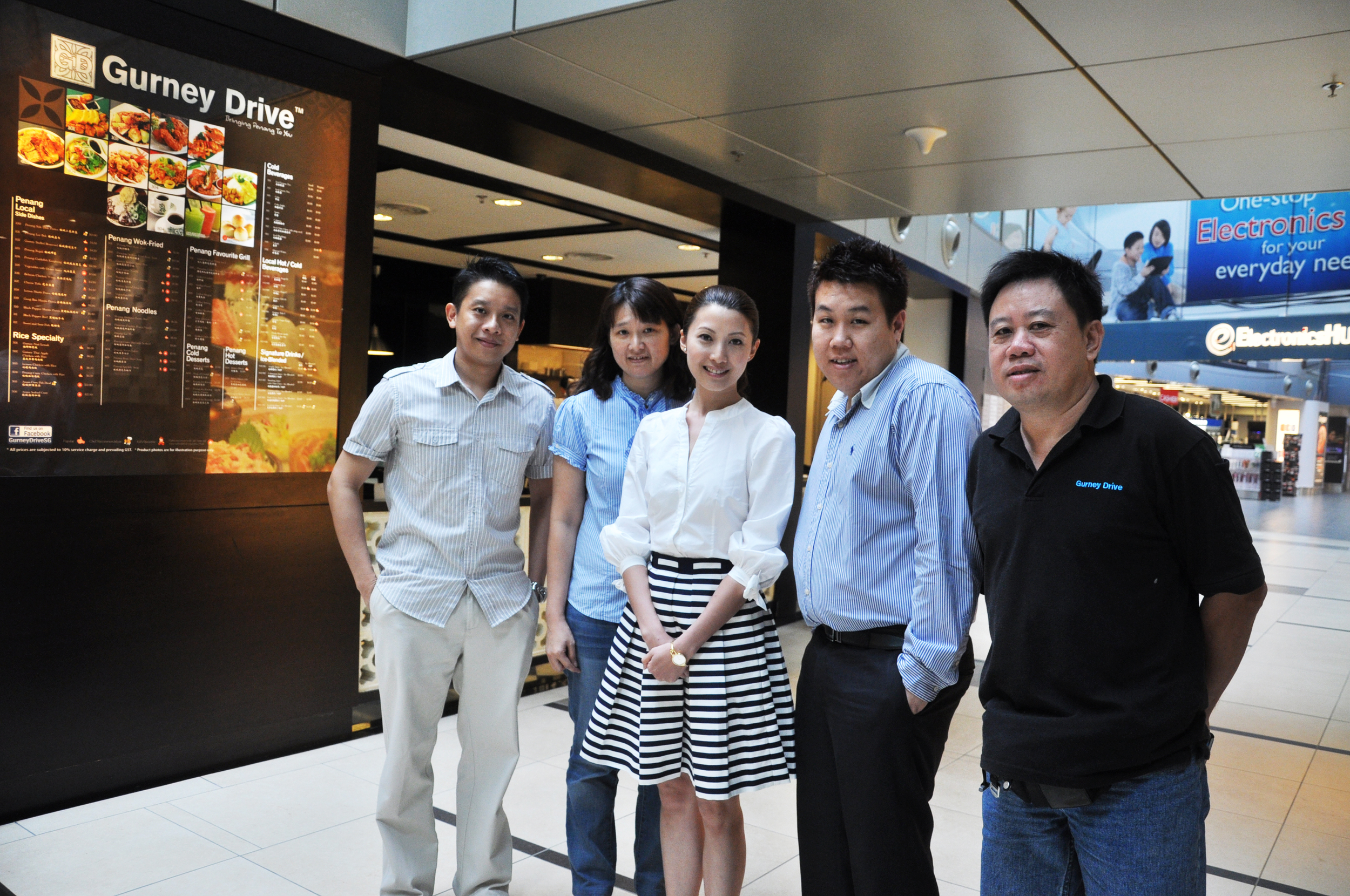 Mediacorp Artiste Jeannete Aw at Gurney Drive @ Changi Airport Terminal 3