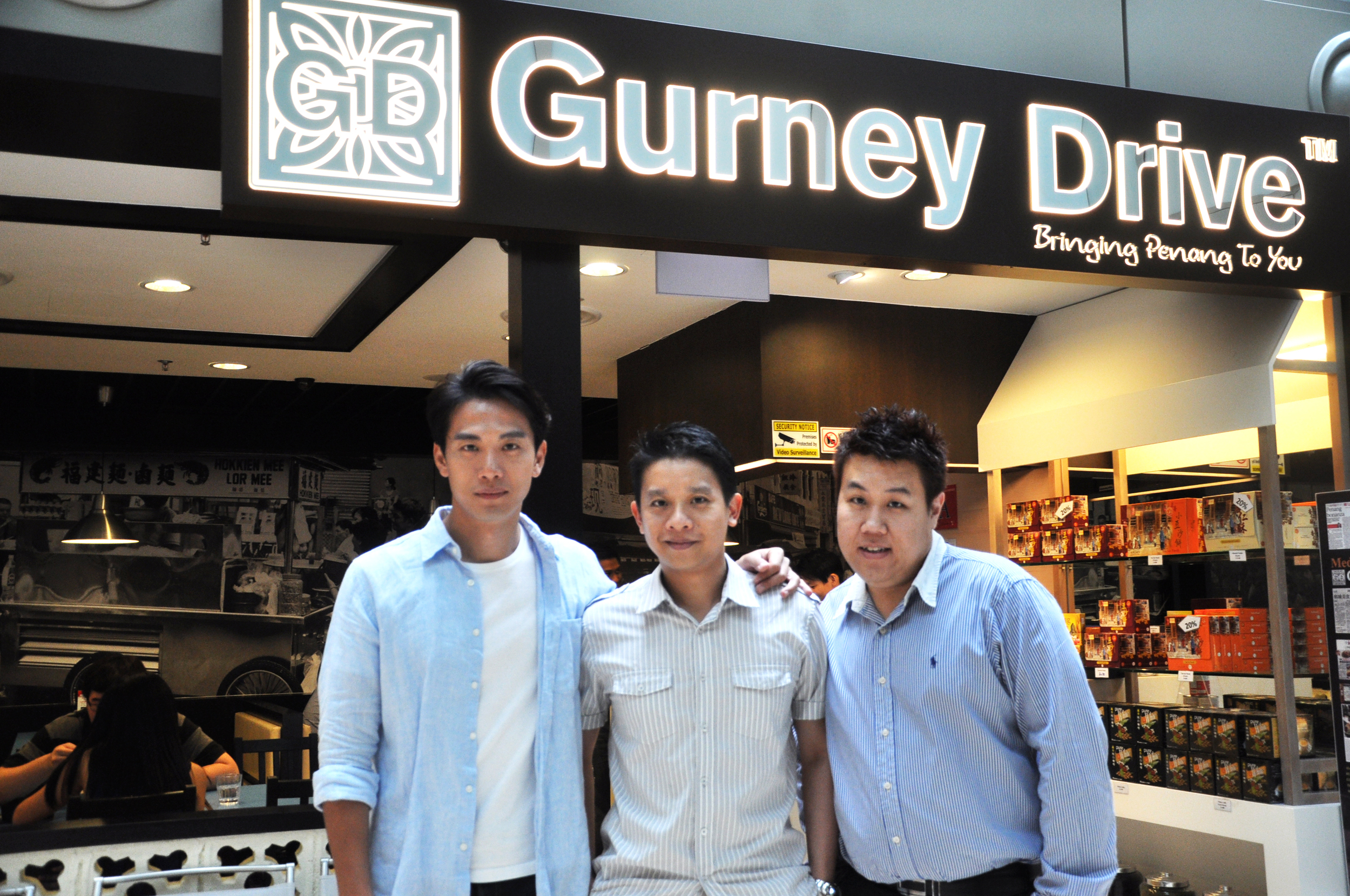 Our founders, Ven & Ricky Shawn, with Mediacorp Artiste Qi Yiwu