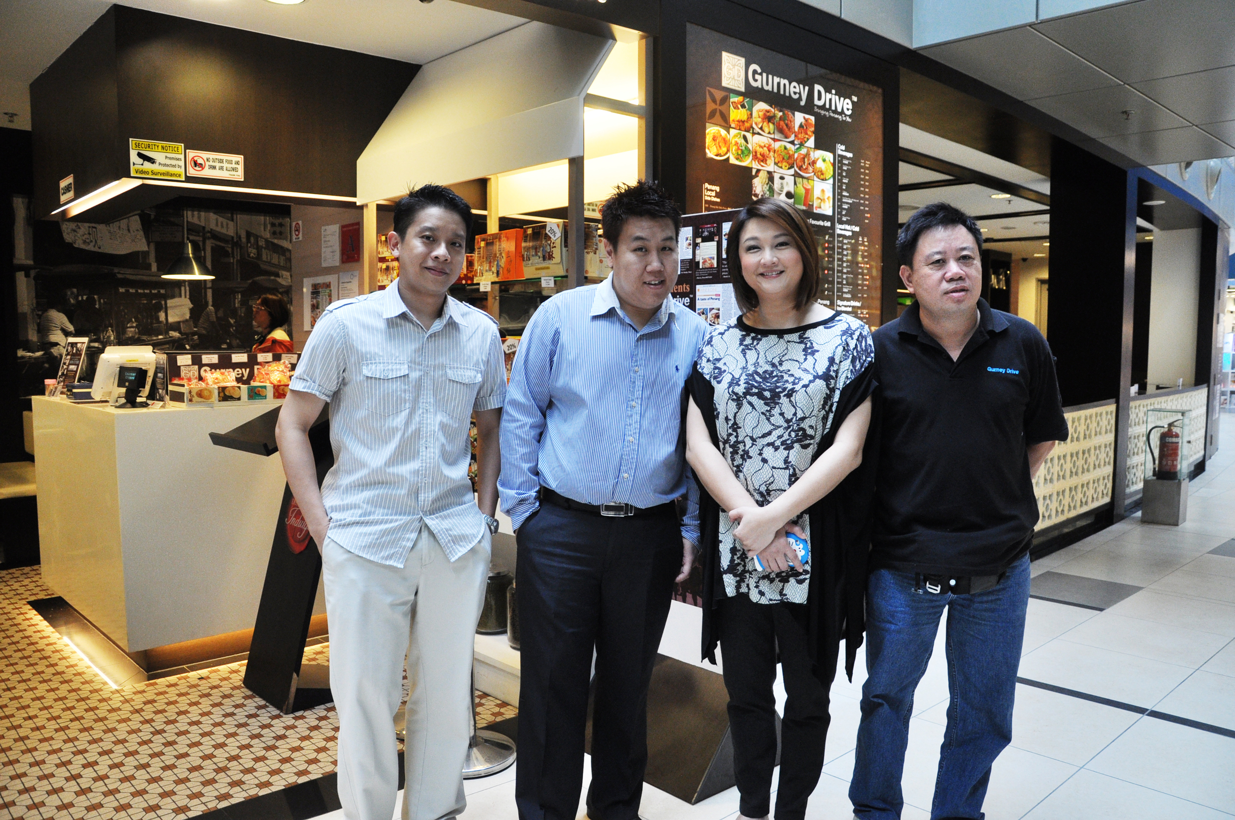 Mediacorp Artiste Chen Li Ping with our founders and Head Chef Wong.