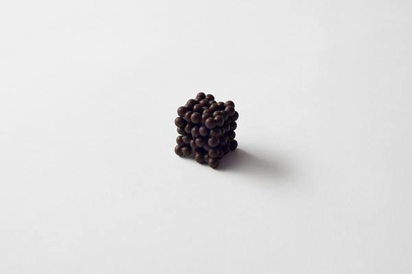 ツブツブ(tsubu tsubu):形容粒狀物。