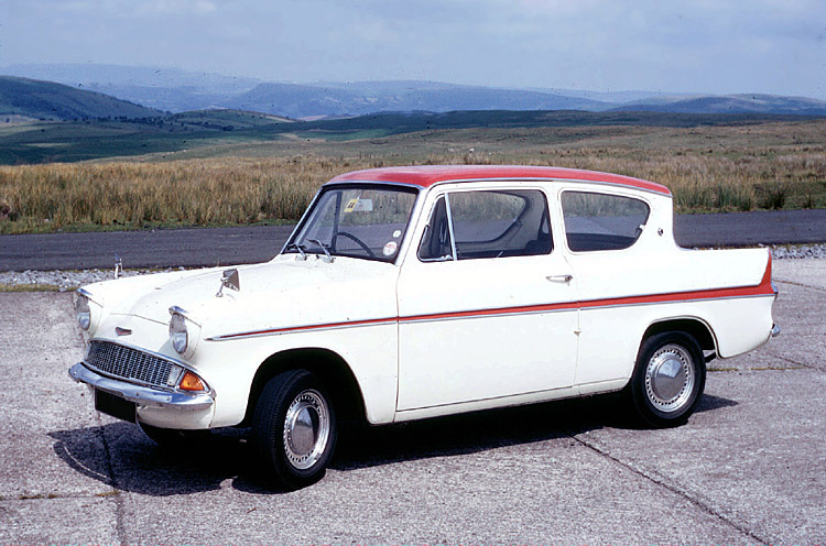 Ford Anglia Super