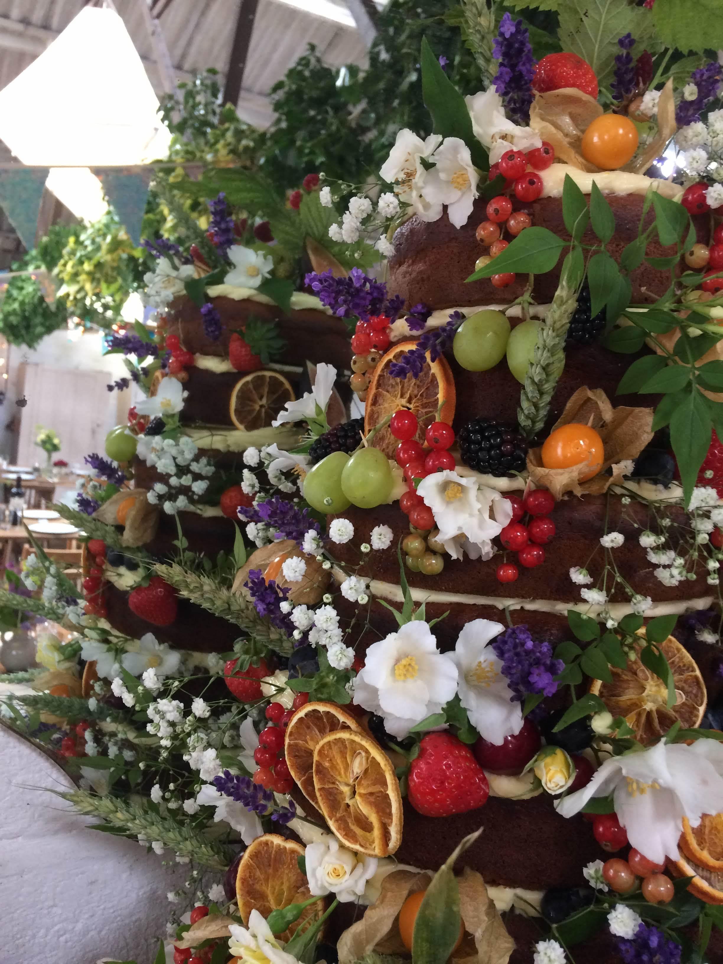 Sue Davies Flowers - Venue Cake Flowers