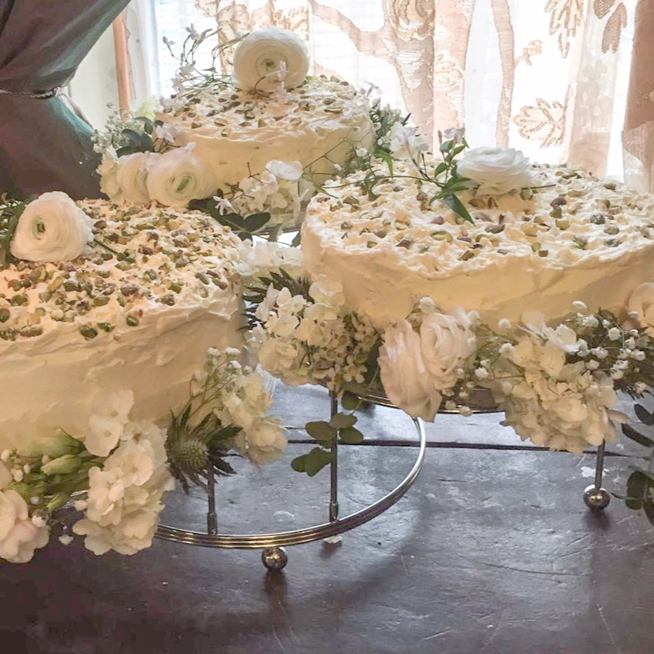 brunswick-house-cake-flowers