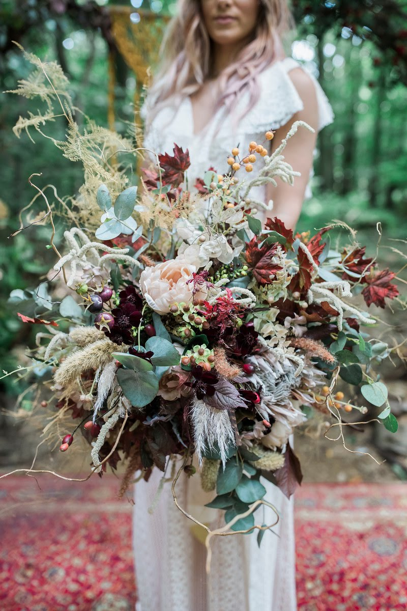 The dried flower bouquet