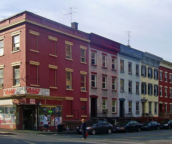 800px-Houses_on_Grand_and_Madison_streets,_Albany,_NY.jpg