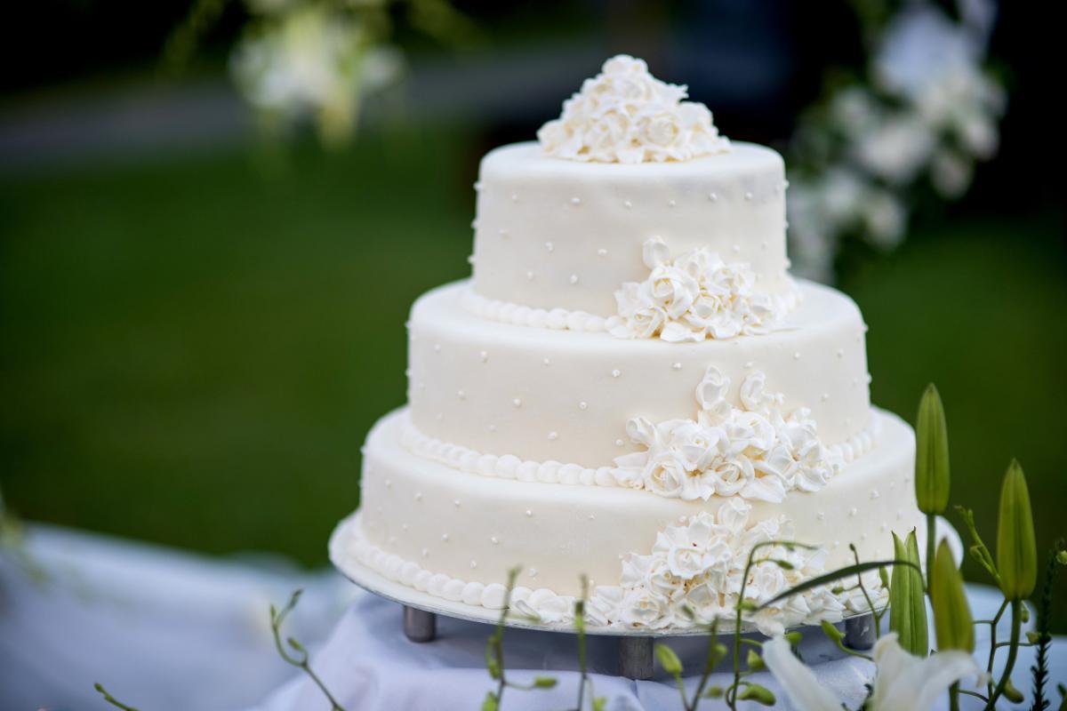 wedding caaaaaaaaake.jpg