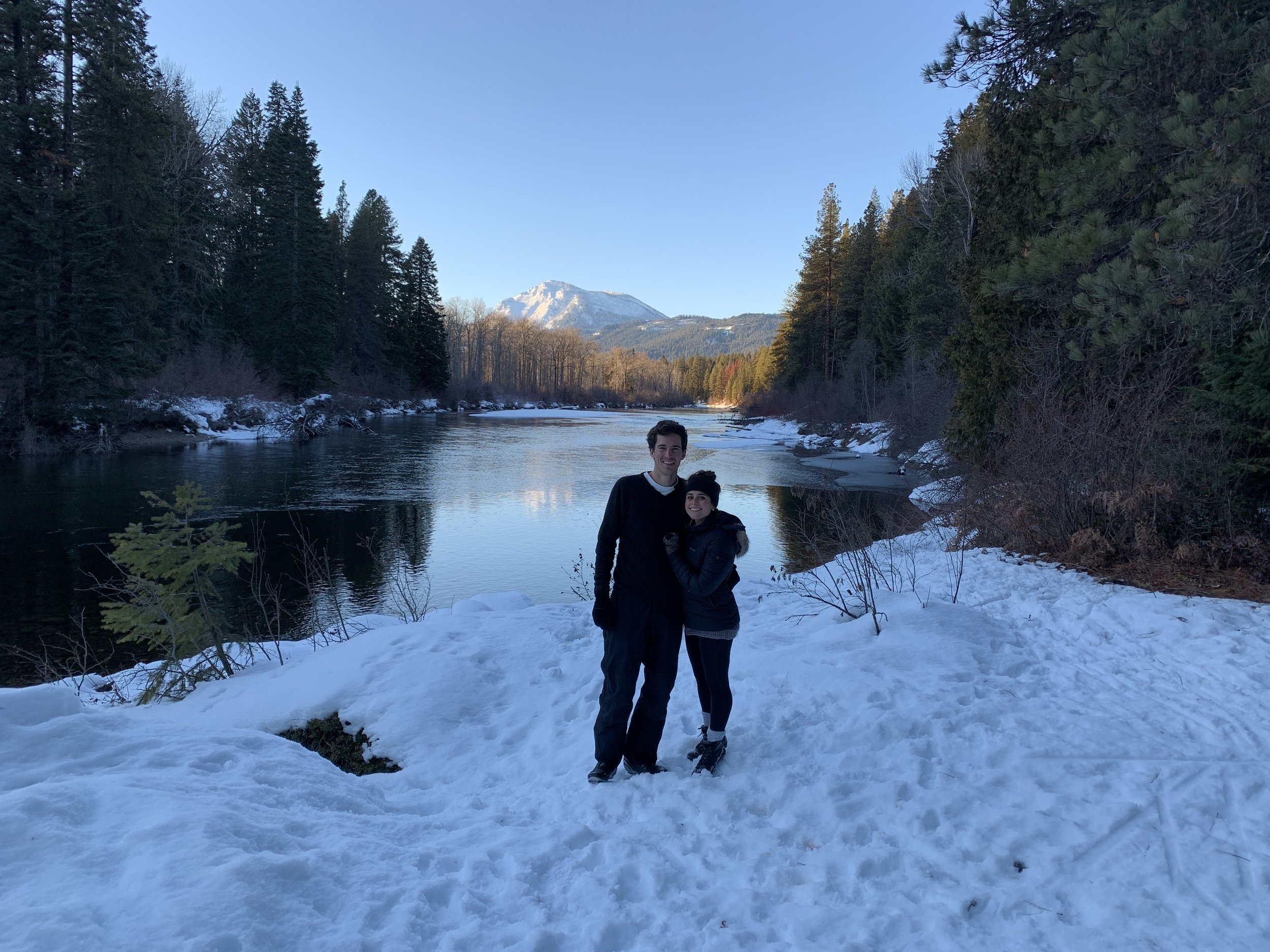 Taking a break from cross-country skiing on the very last day of 2018! Somewhere in the Cascades.