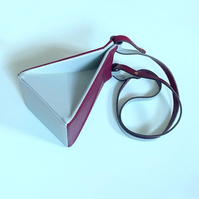 Half burgundy-half turquoise / half pouch-half crossbody. And now, HALF PRICE! . . . . . . #tetrabag #unlinde #sales #sale #50percentoff #off #descuento #rebajas #leatherbag #bag #madeinspain #handmade #handcrafted #designedinnyc #nydesign #emergingdesigner #borninharlem #picoftheday #fav #cuero #bolso #origami #convertible #folding #crossbody #leather