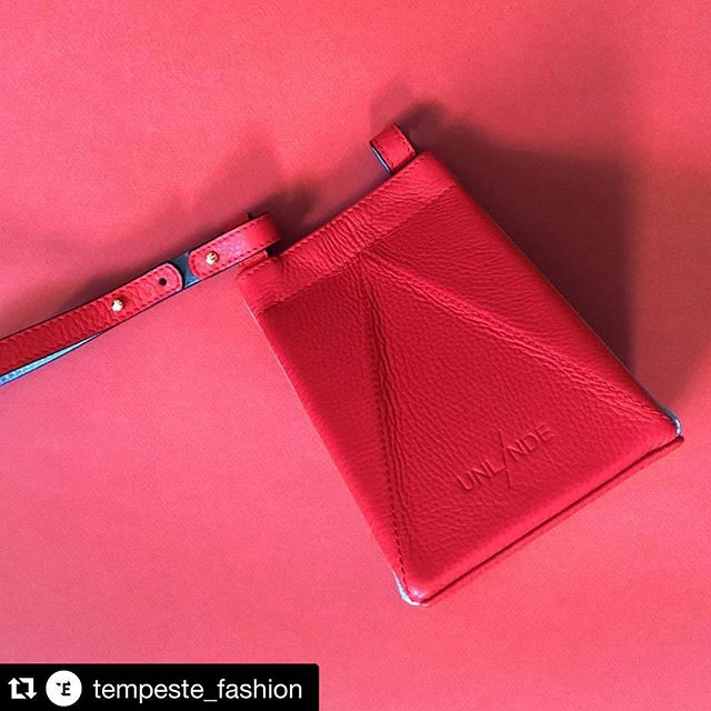 #Repost @tempeste_fashion ・・・ Get to know this week's featured designers such as @unlinde on the @tempeste_fashion blog https://tempeste.co/blogs/designers #fashion #style #instafashion #bags #emergingdesigners #fashionaccesories #leatherbags #leather #handmade #slowfashion #handcrafted #madeinspain #origami