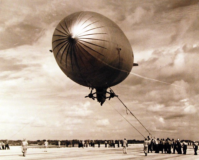 330-PS-2934 (USN 443983)   Sub Rescues Disabled Airship. Sailors of a ground crew landing party, haul down a disabled ZP2K airship at Boca Chica, Naval Air Station,