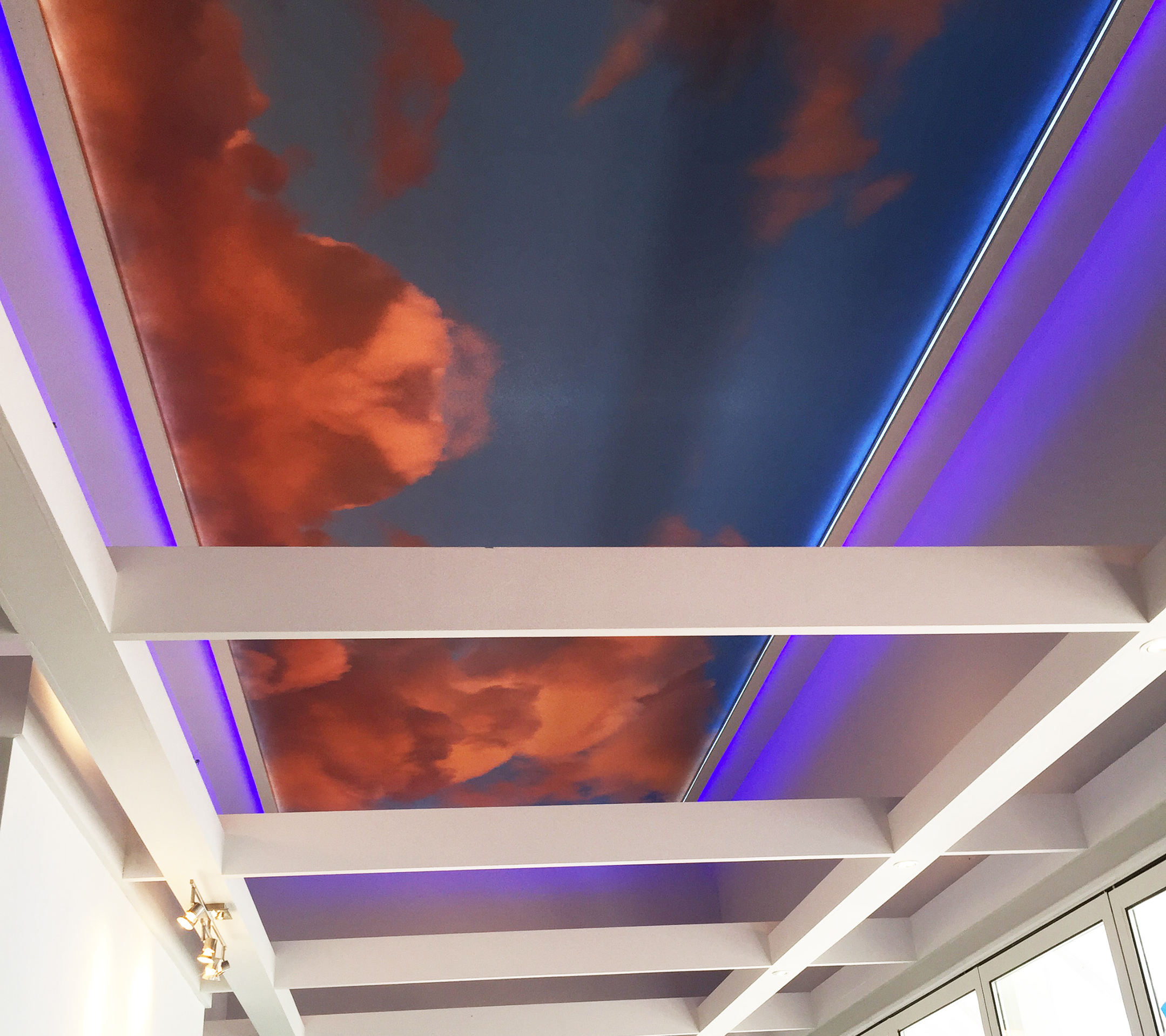 sky-ceiling-on-ships-deck
