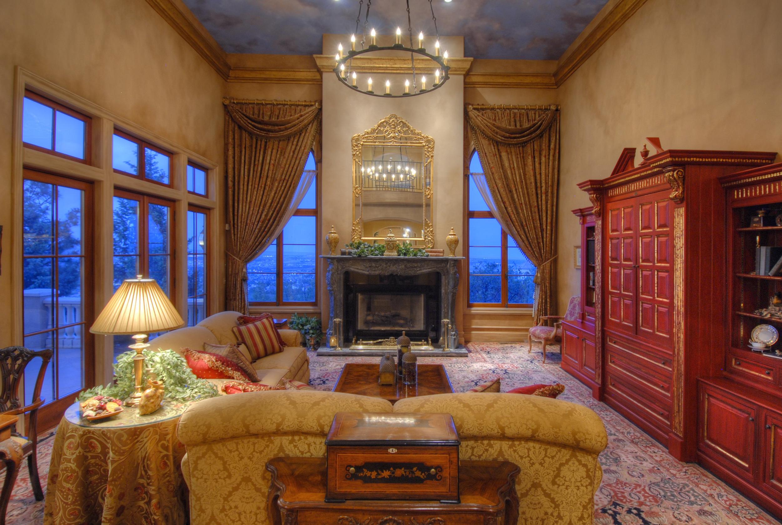 4- Main-Level Family Room.jpg