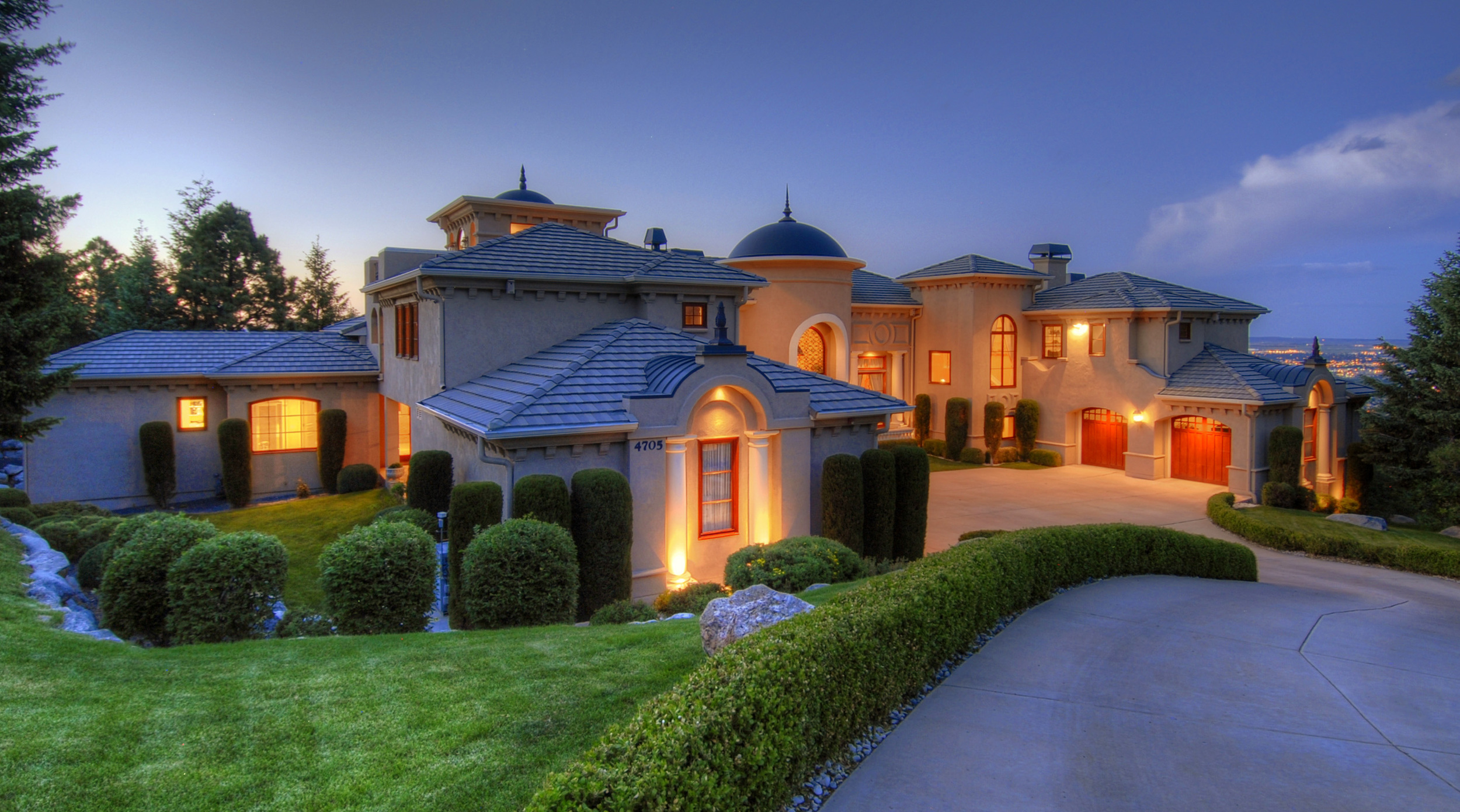 16- Front of Home in the Evening.jpg