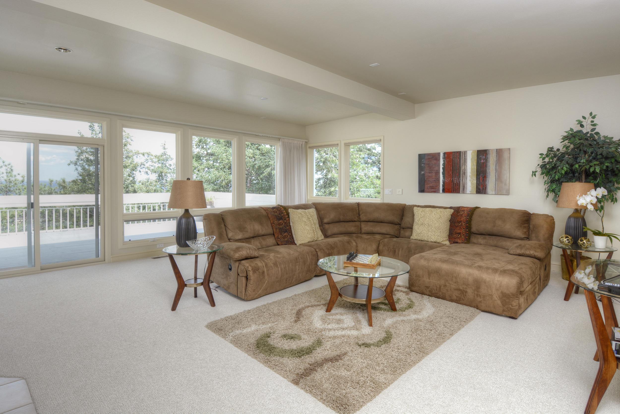 15- Upper Level Family Room or Second Master.jpg