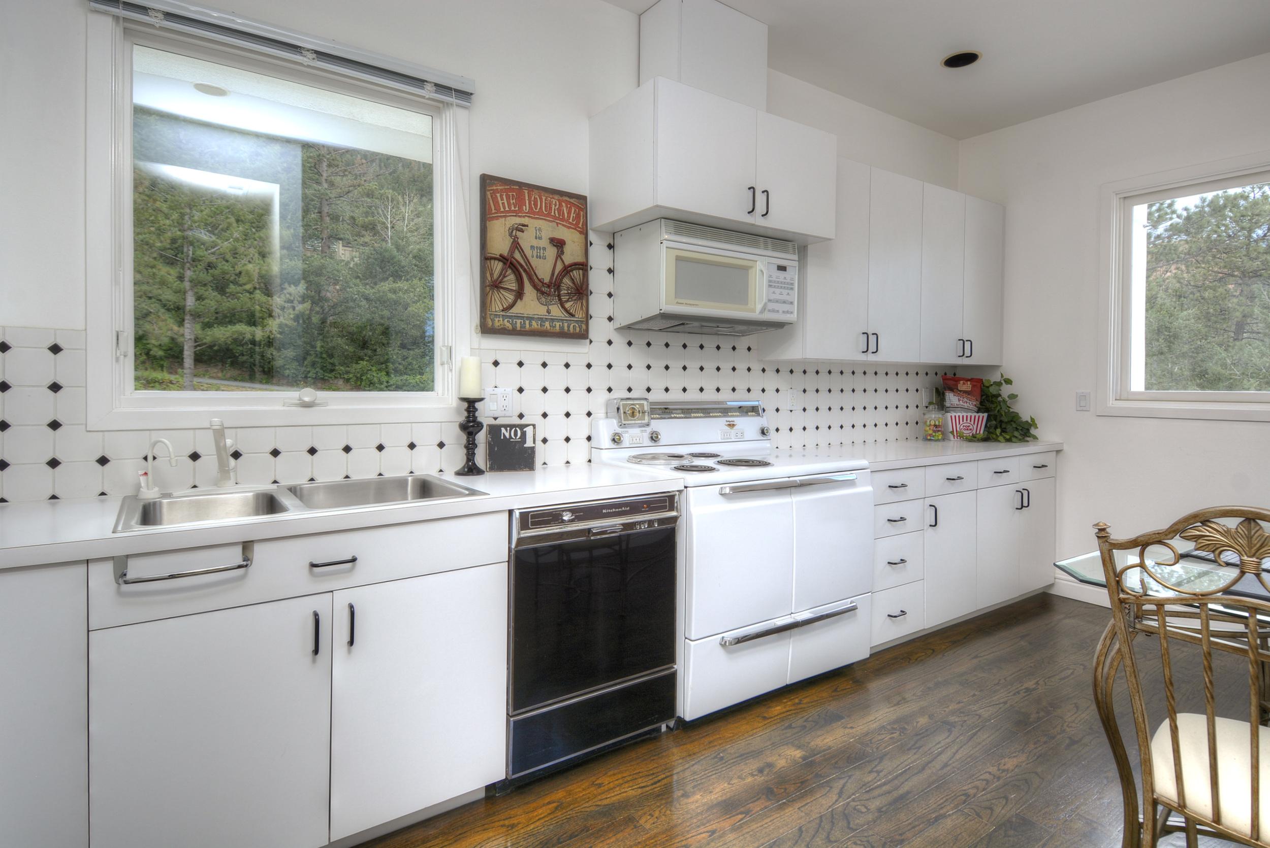 17- Retro Kitchen in Upper Level.jpg