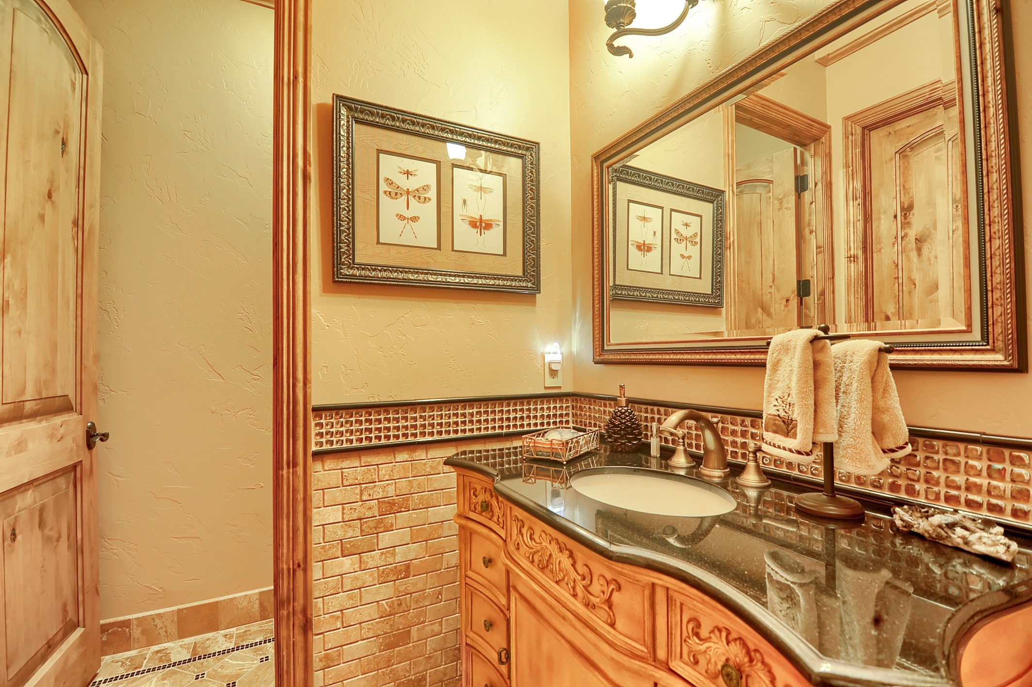 23 - Powder Room.jpg