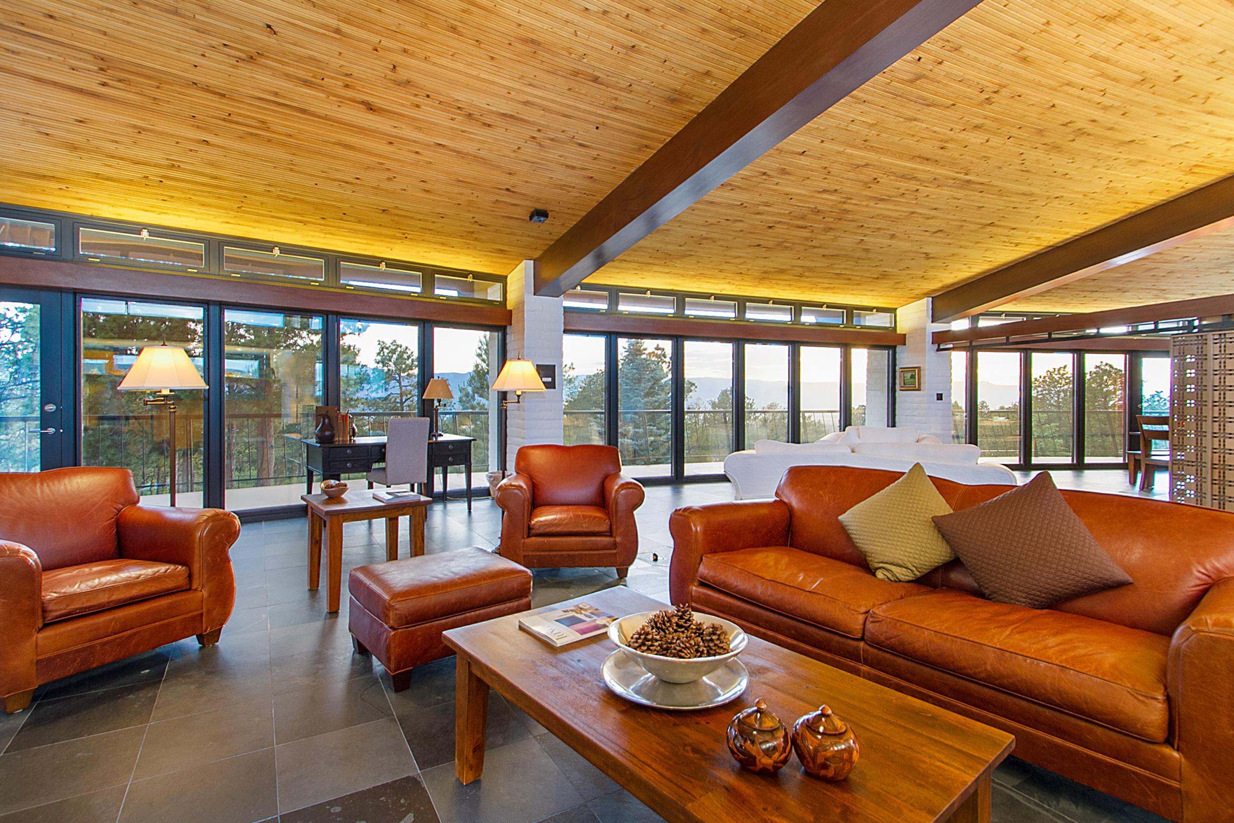 1338975_Living-Room_high.jpg