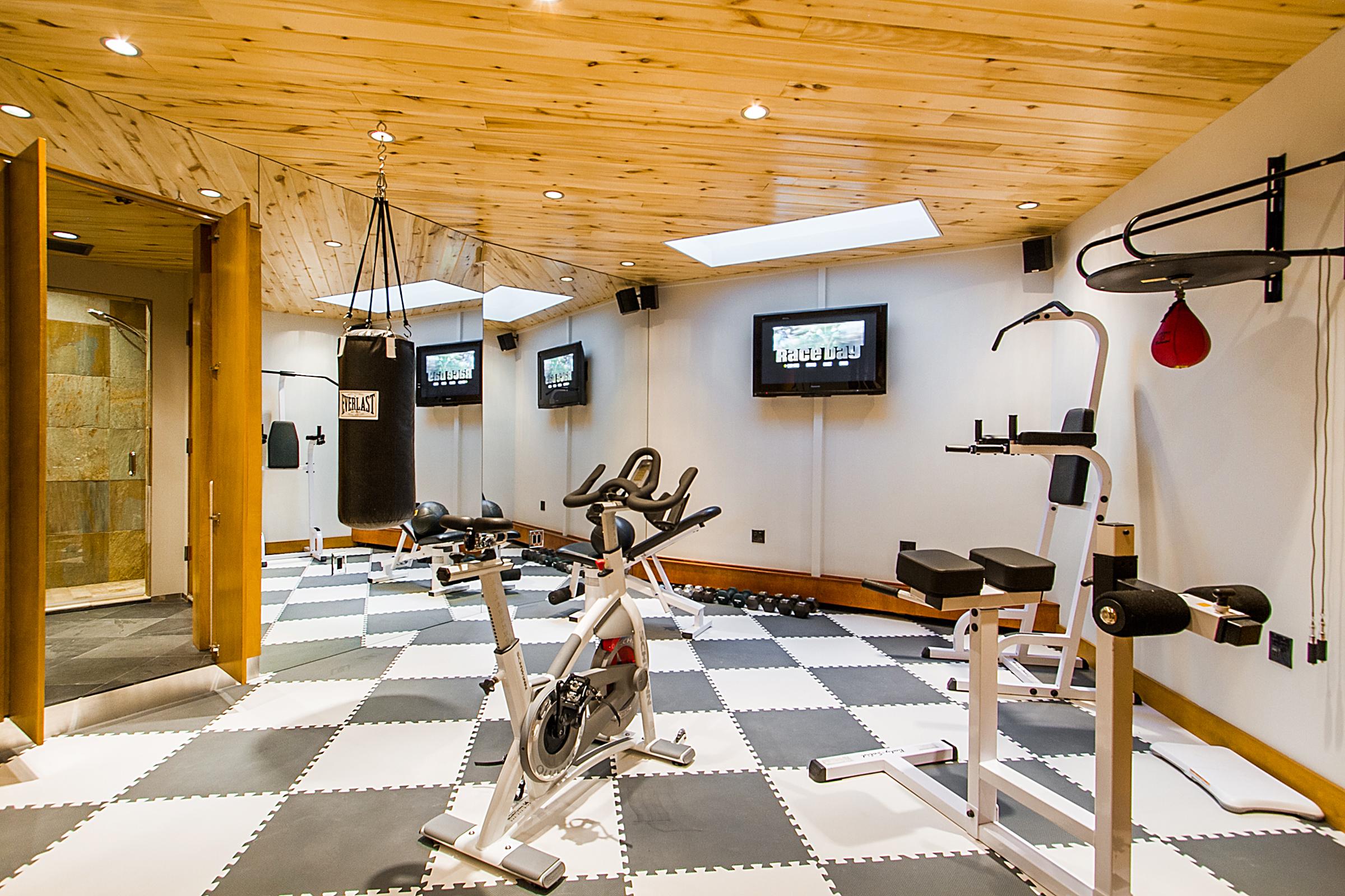 1338990_Workout-Room_high.jpg