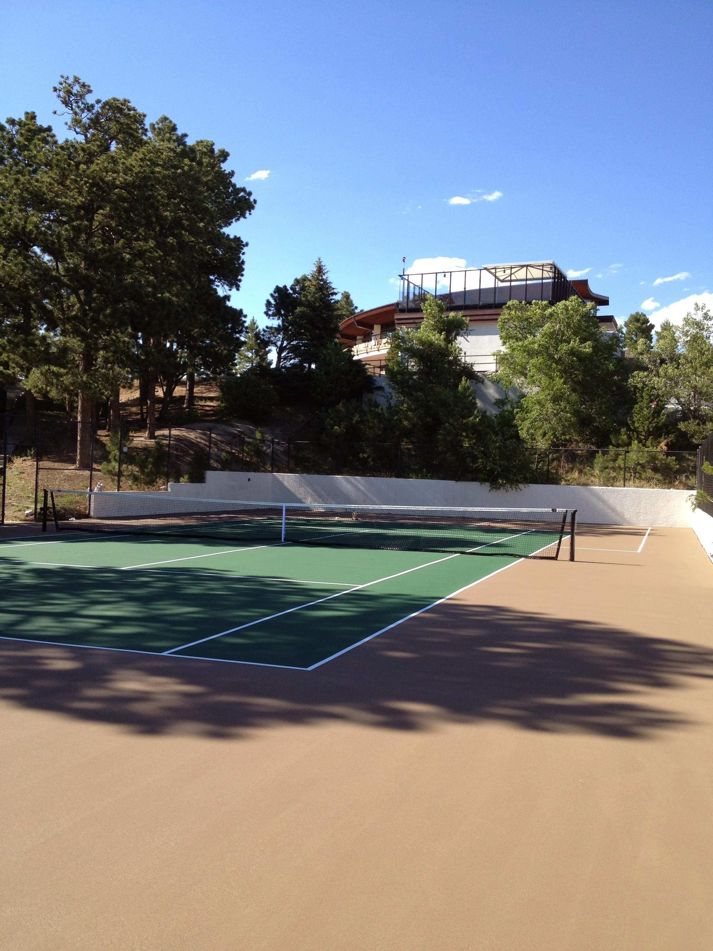 1340112_Tennis-Court_high.jpg