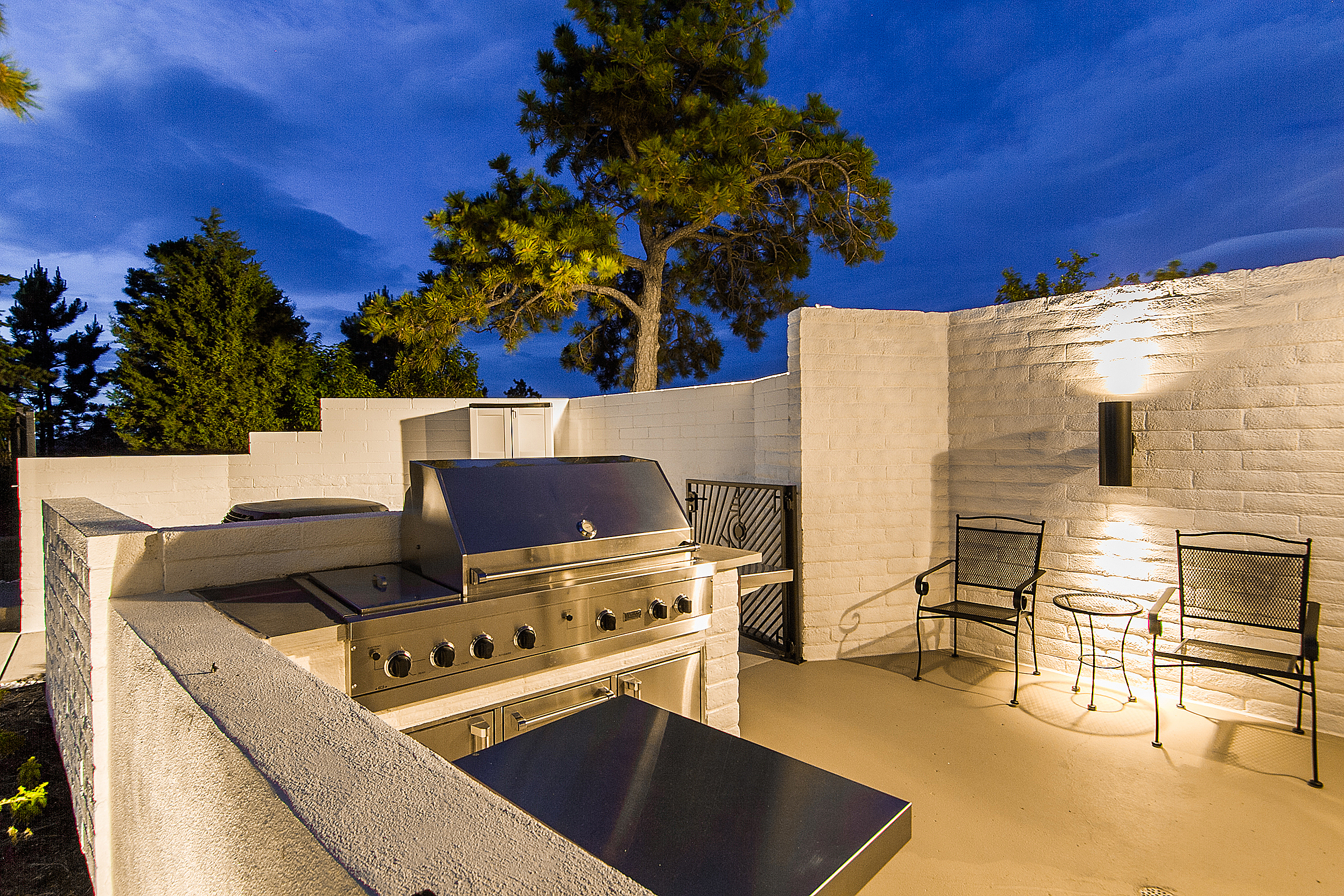 1340121_Built-in-Grill-Patio_high.jpg