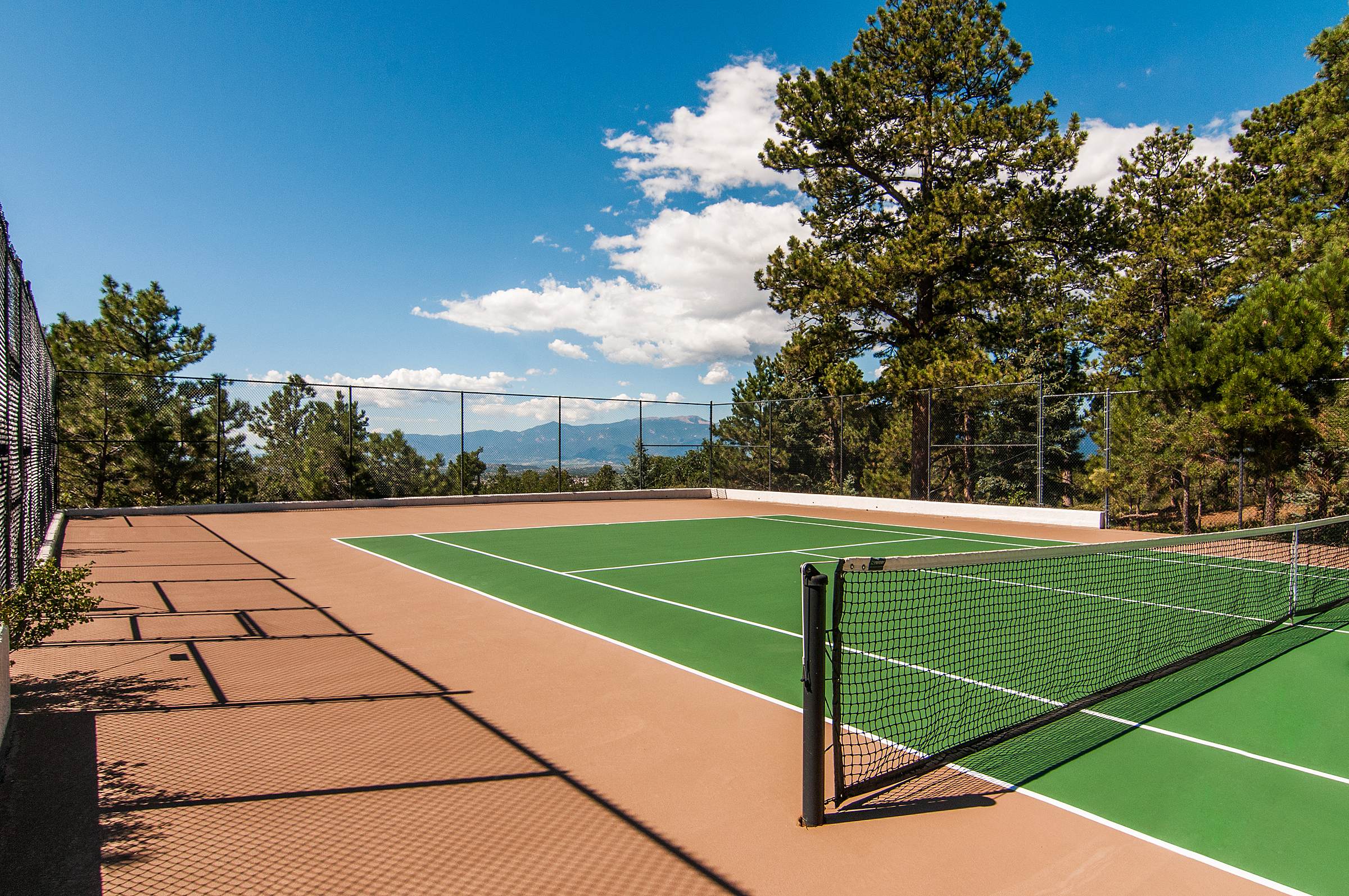 1394659_Tennis-Court_high.jpg
