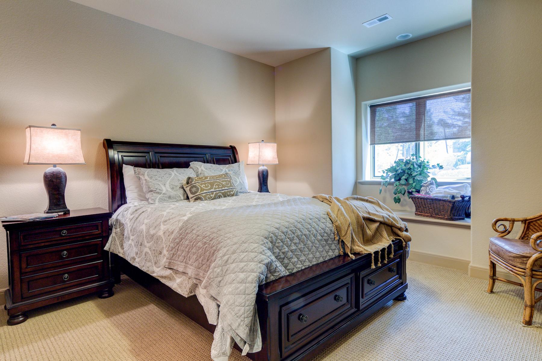 27 - Guest Suite.jpg