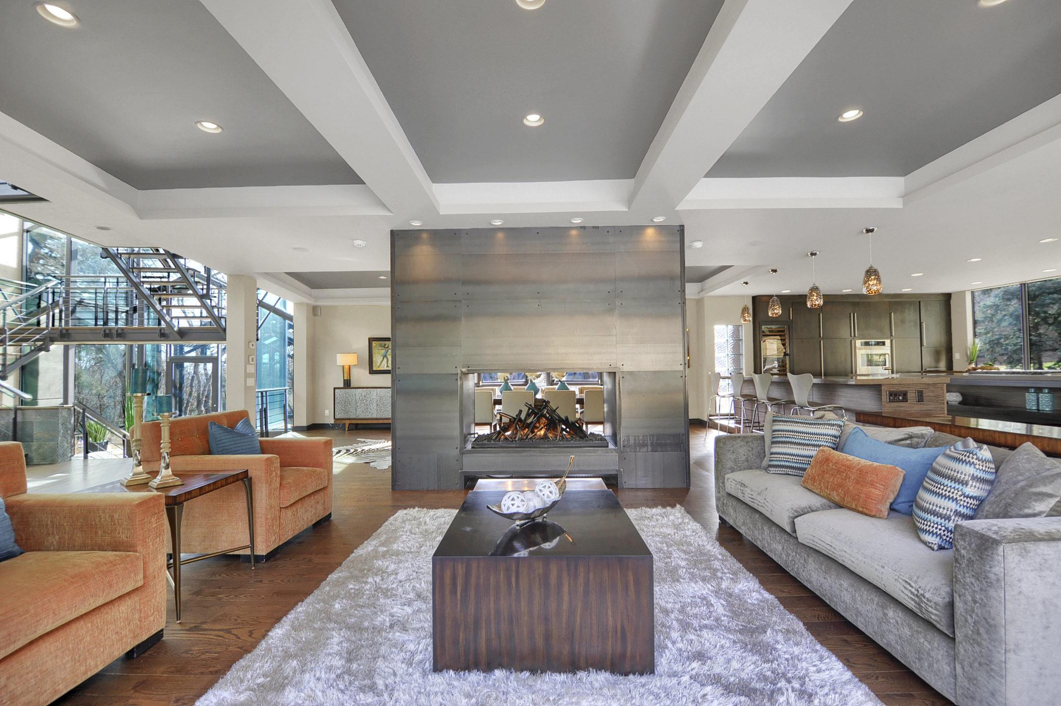 9 - Living Room.jpg