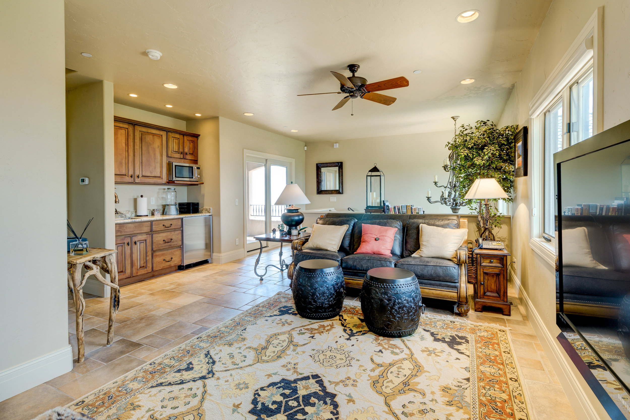 13-Guest Sitting Room with Wet Bar.jpg