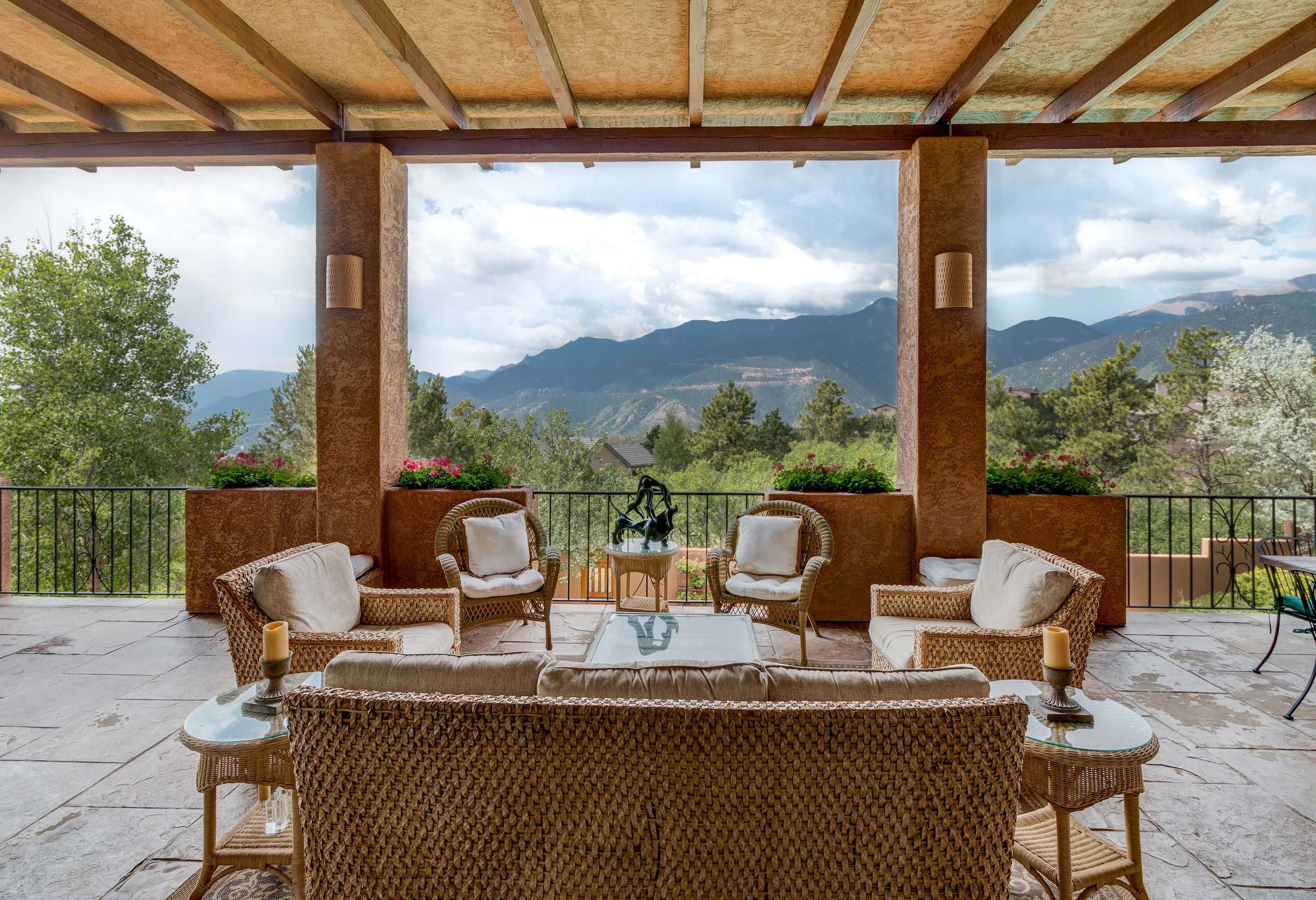 4-75x14 Back Veranda with Amazing Views.jpg