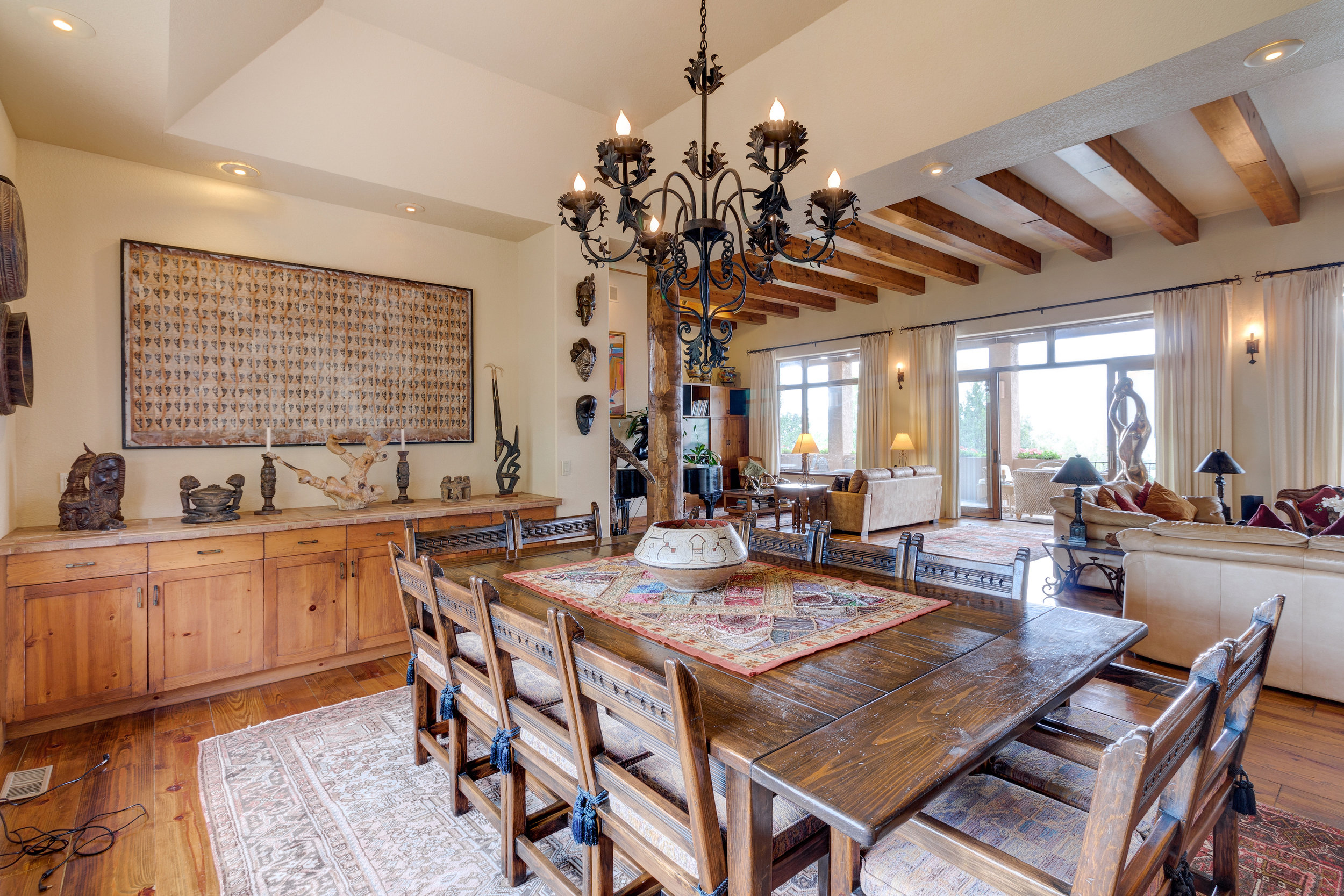 11-Dining Room has built in Buffet and a wet bar at the other end.jpg