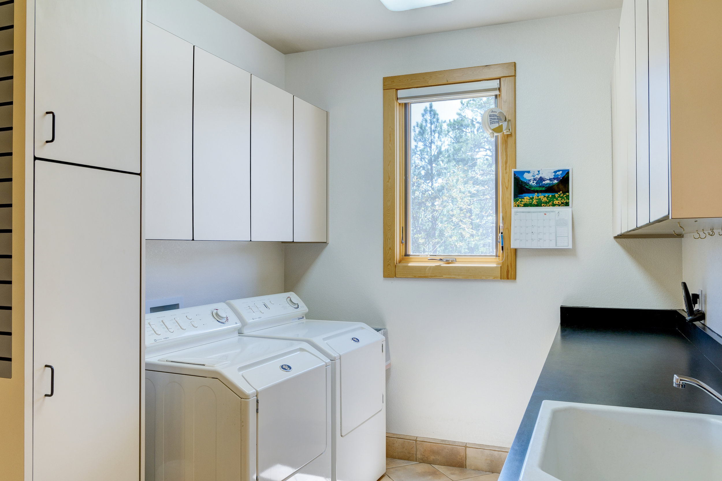 22-Laundry Room.jpg