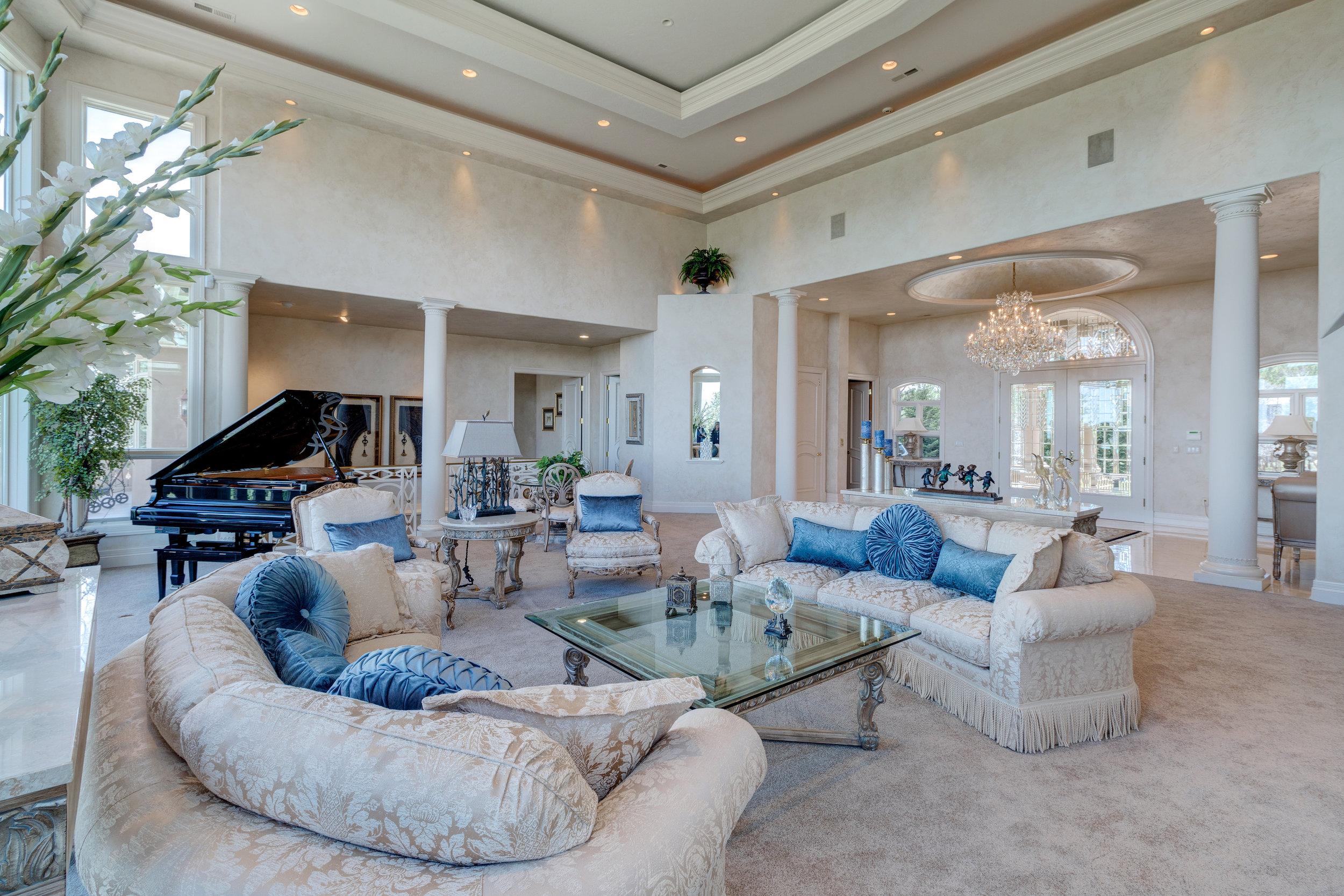 4-Great room.jpg
