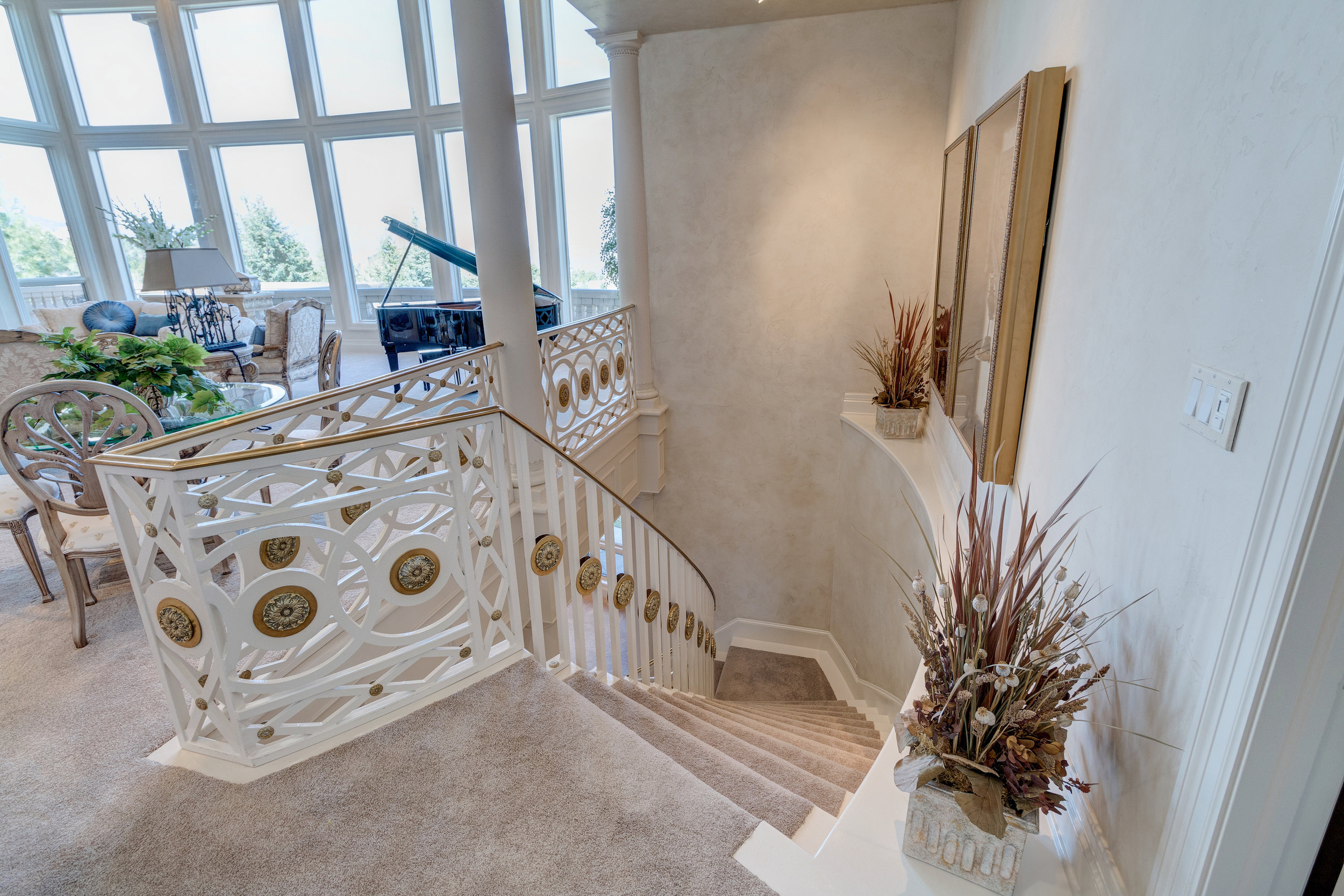 18-Staircase to lower level.jpg