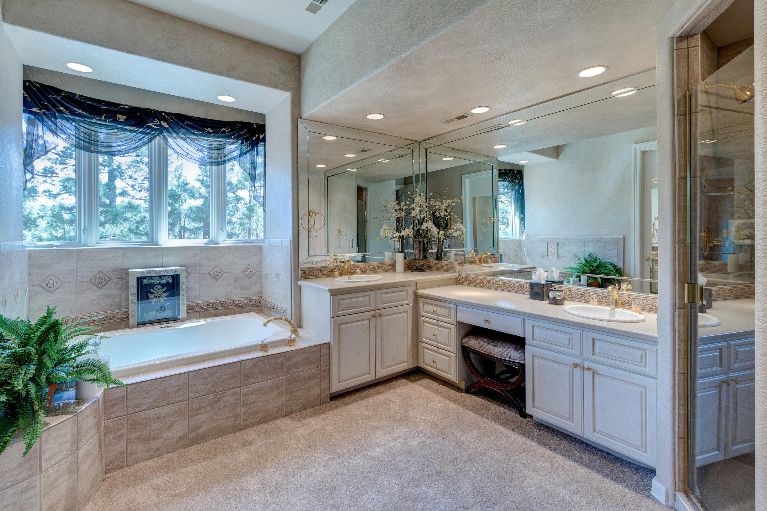 28-Another luxurious guest bath.jpg