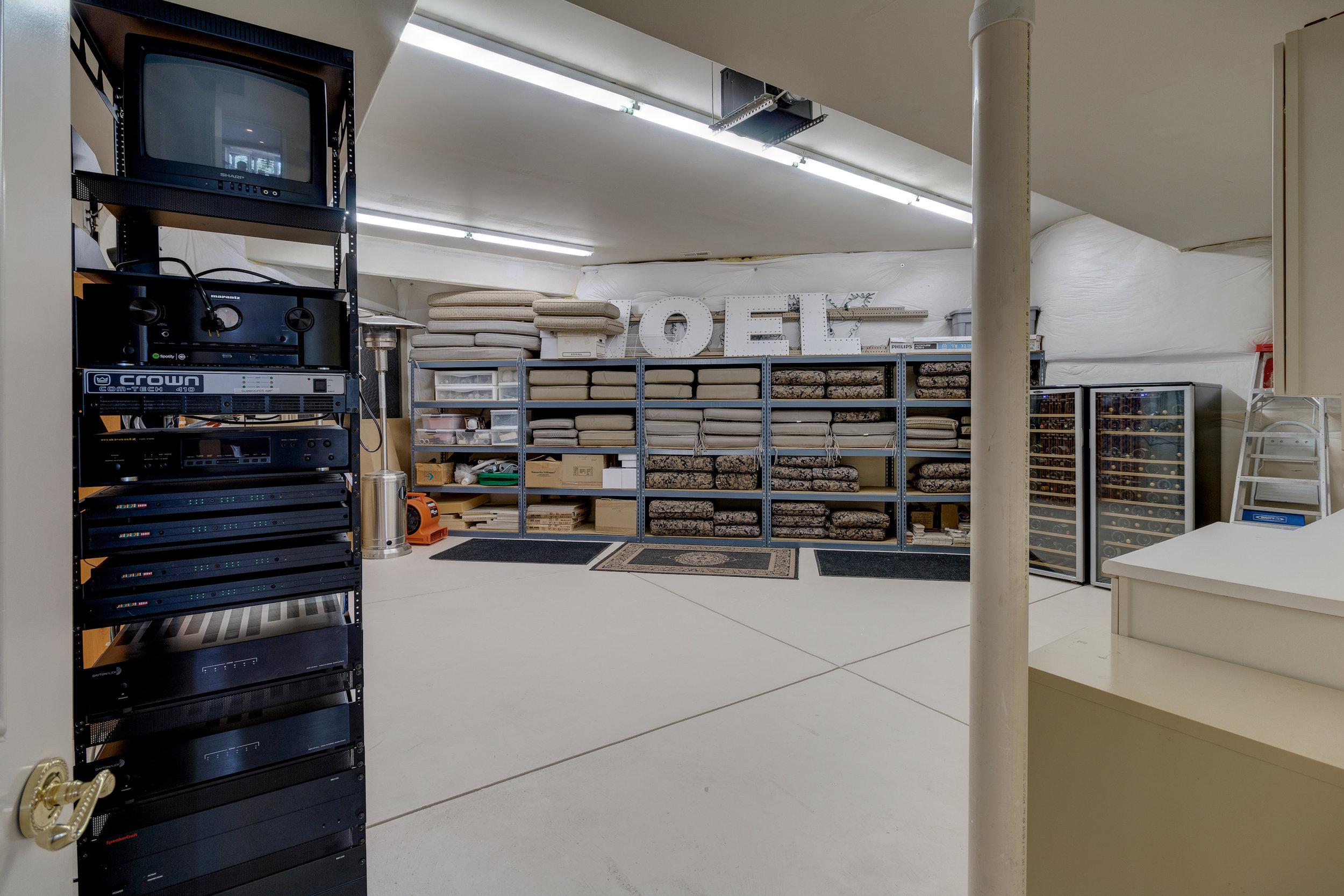 32-Storage in lower.jpg