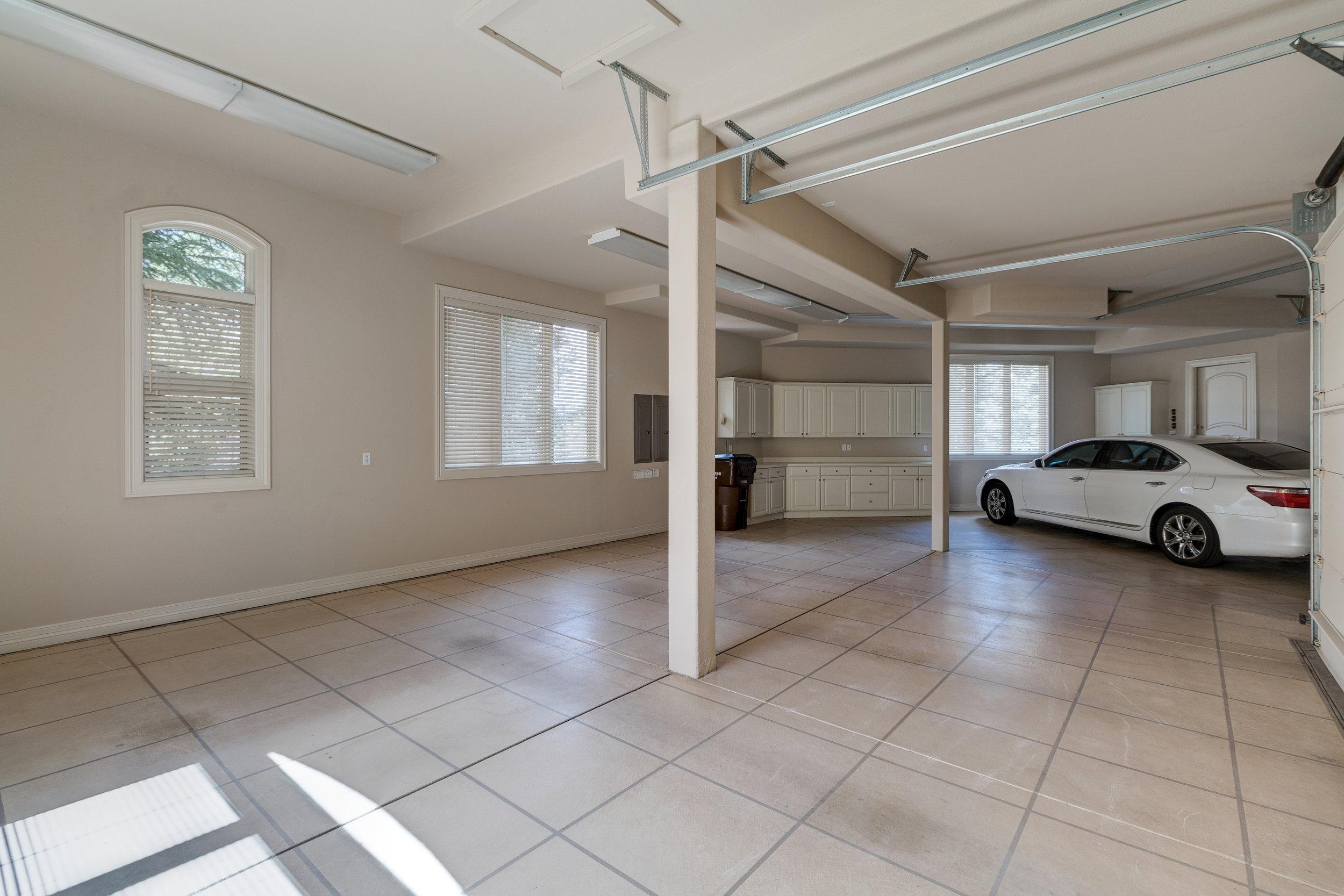 33-Huge finished garage.jpg