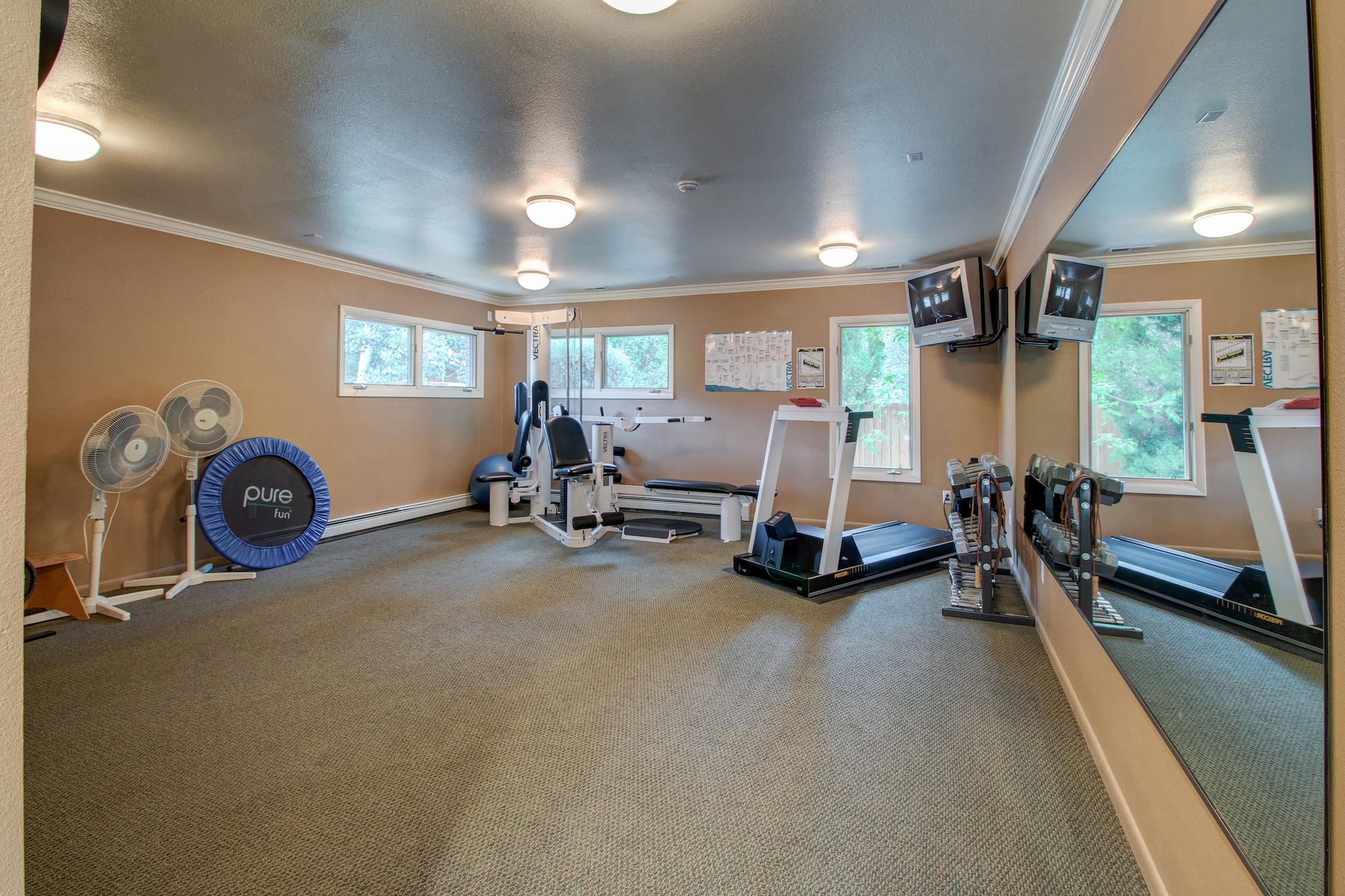 15-Exercise room on the main level.jpg