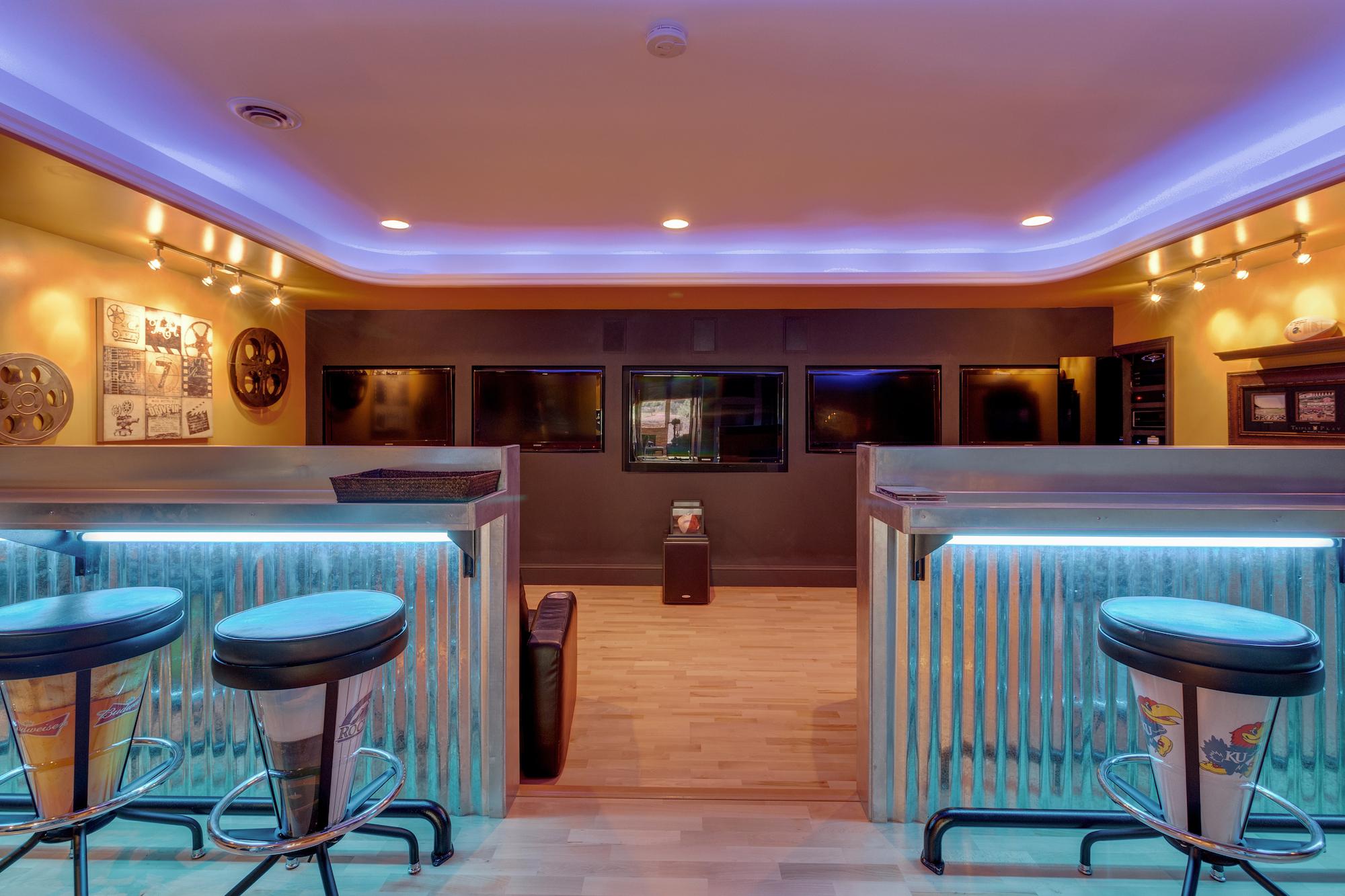 024-Sports bar.jpg