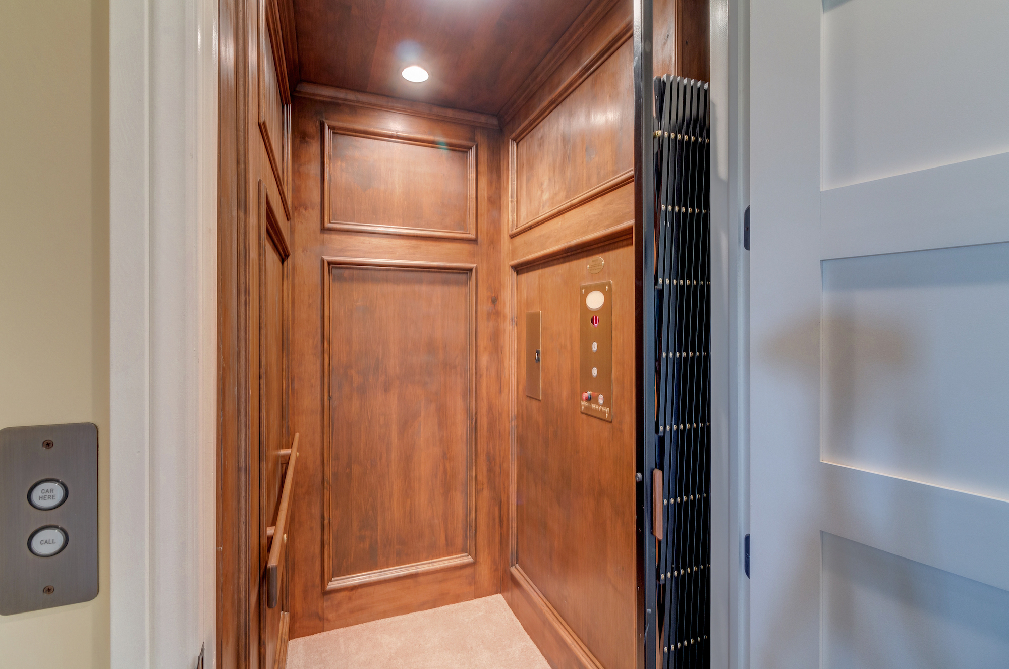 033-Elevator.jpg