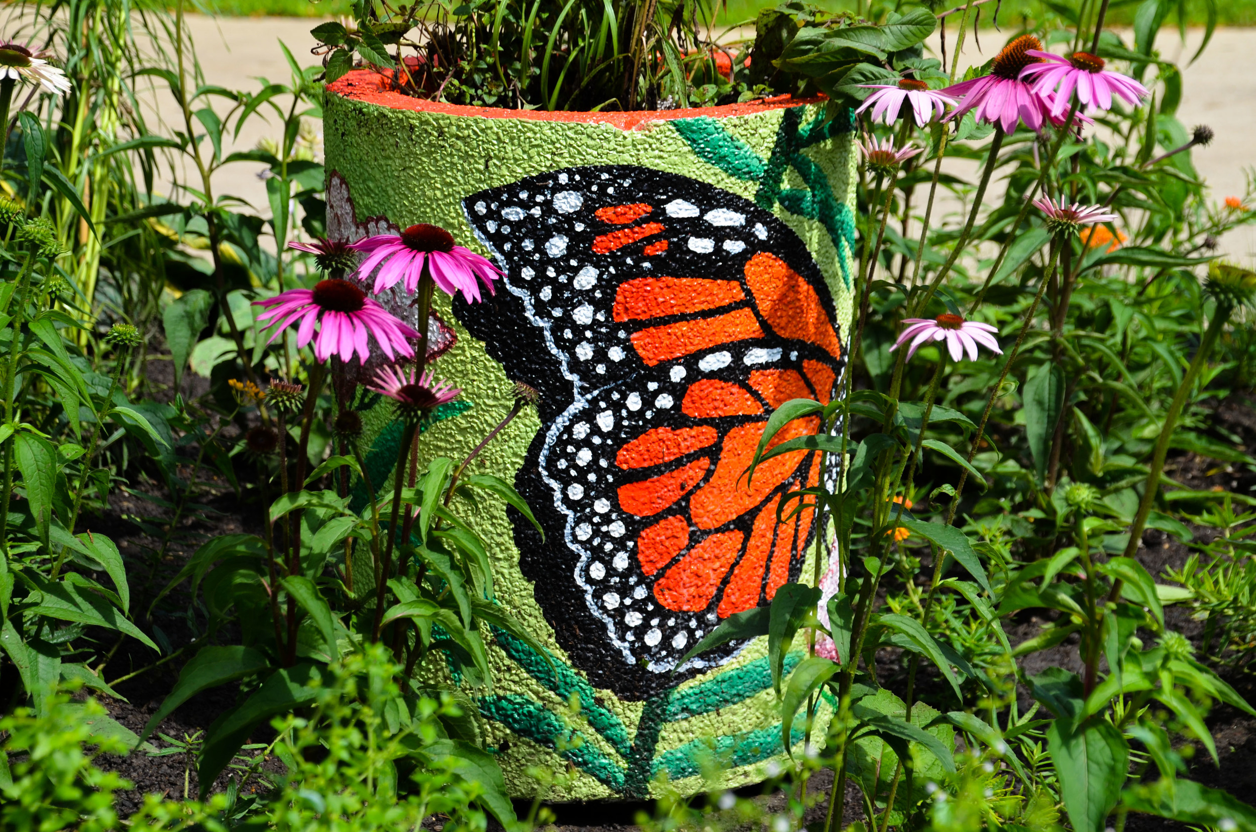 Picture of Monarch pollinator urn