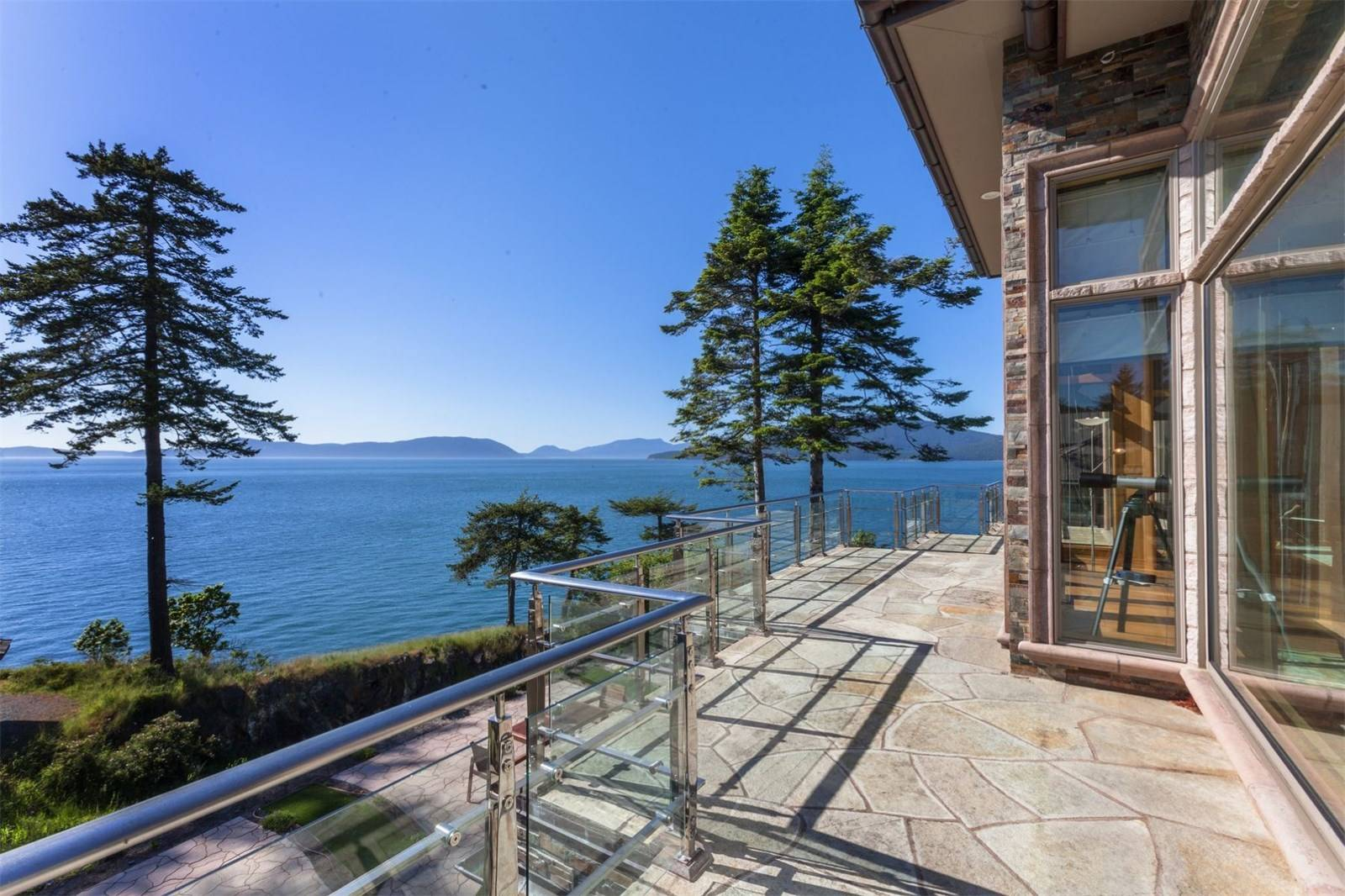 2404 Washington Court, Anacortes
