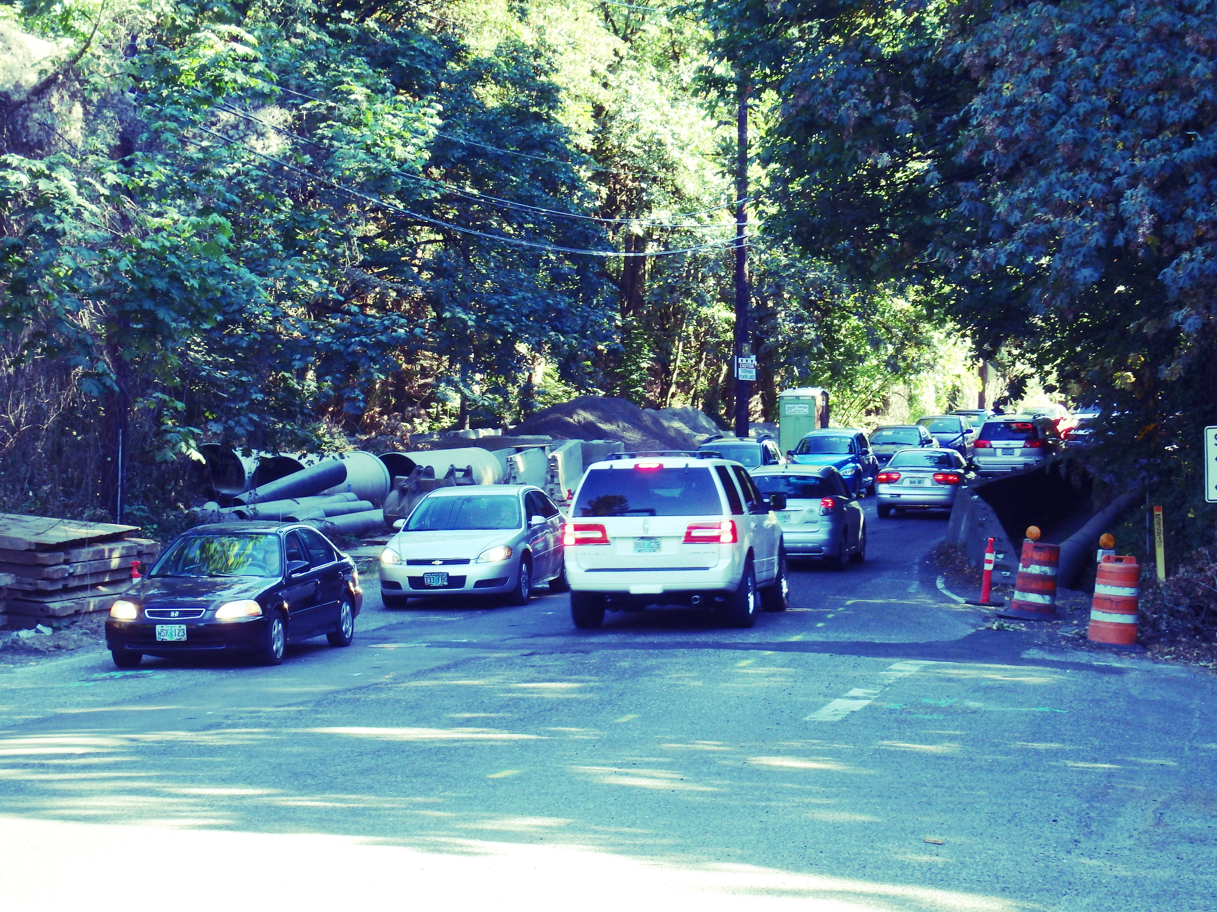 Typical traffic at Taylors Ferry and Fulton Park